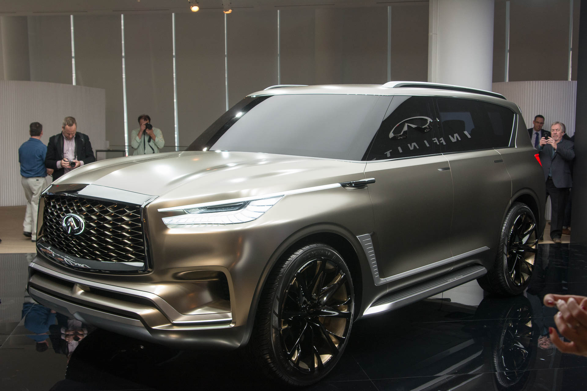 Infiniti Previews Next Gen Qx80 With Monograph Concept
