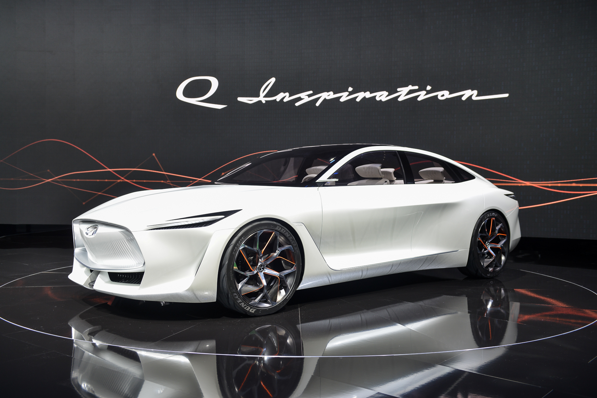 Infiniti Q Inspiration concept debuts new look, not much else