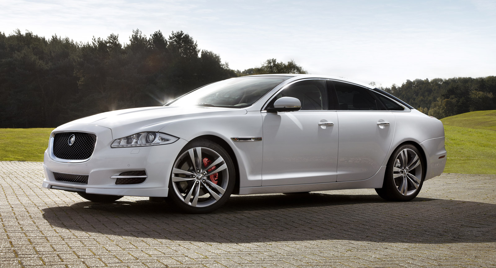 All Types 2016 xj : Jaguar Launches XJ Sport And Speed Packs At Dubai Motor Show
