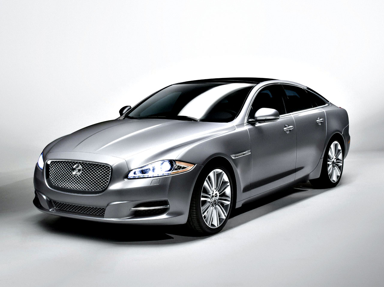 2011 Jaguar Xj Review Ratings Specs Prices And Photos The Car Connection