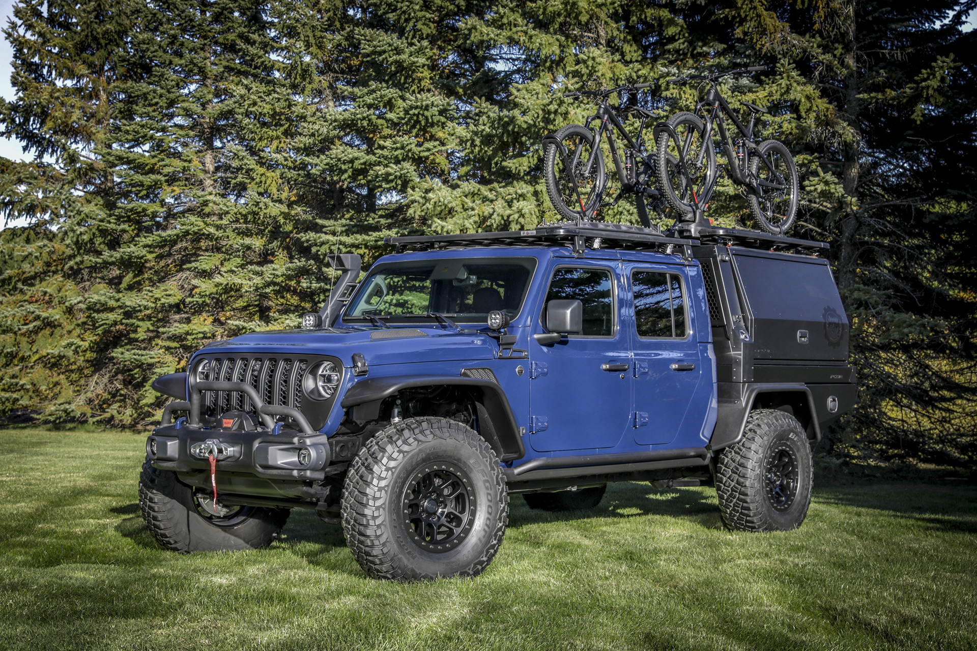 Jeep Gladiator Top Dog Concept is a vehicle for all kinds of activities