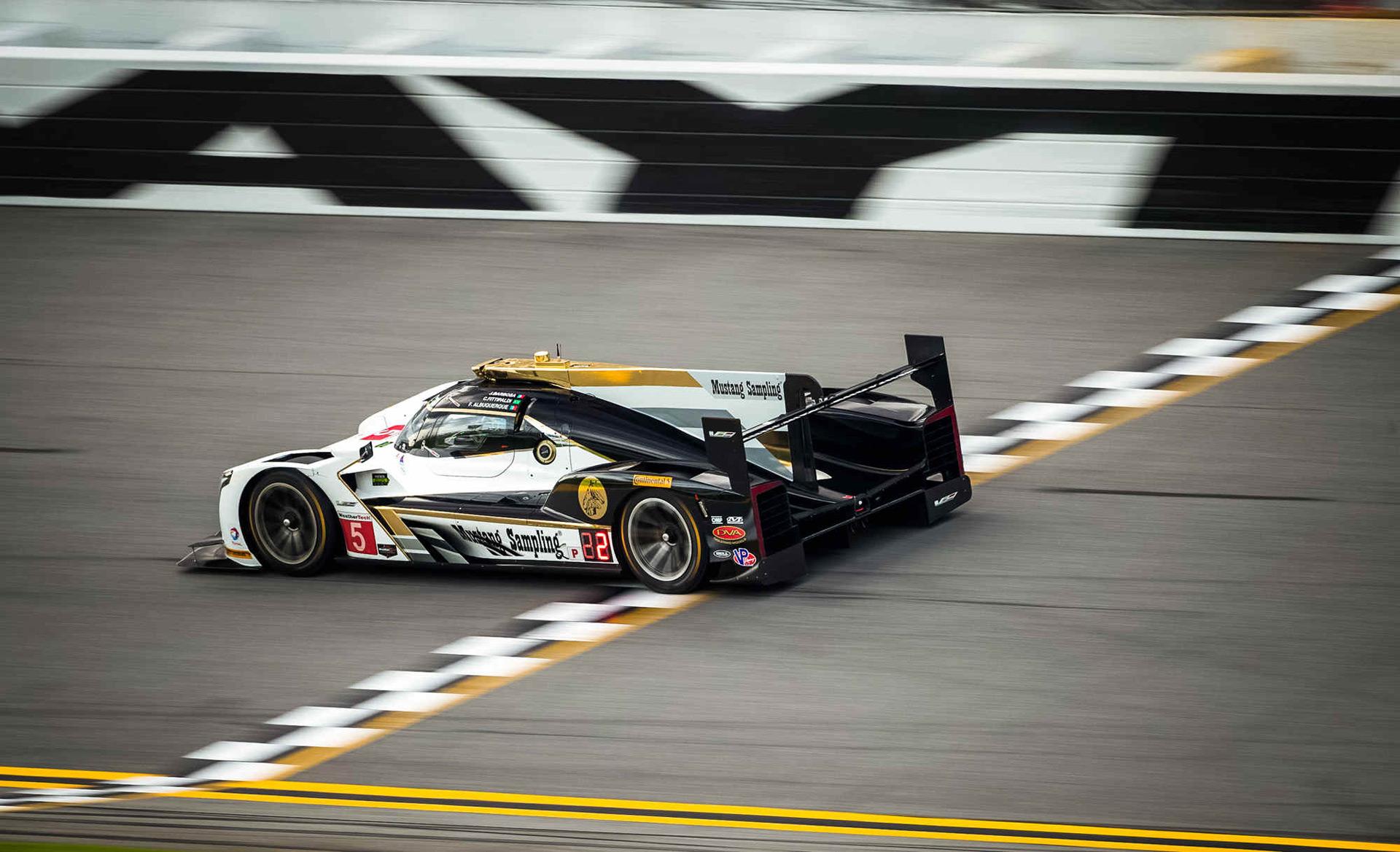 Cadillac DPi-V.R secures pole for 2017 24 Hours of Daytona