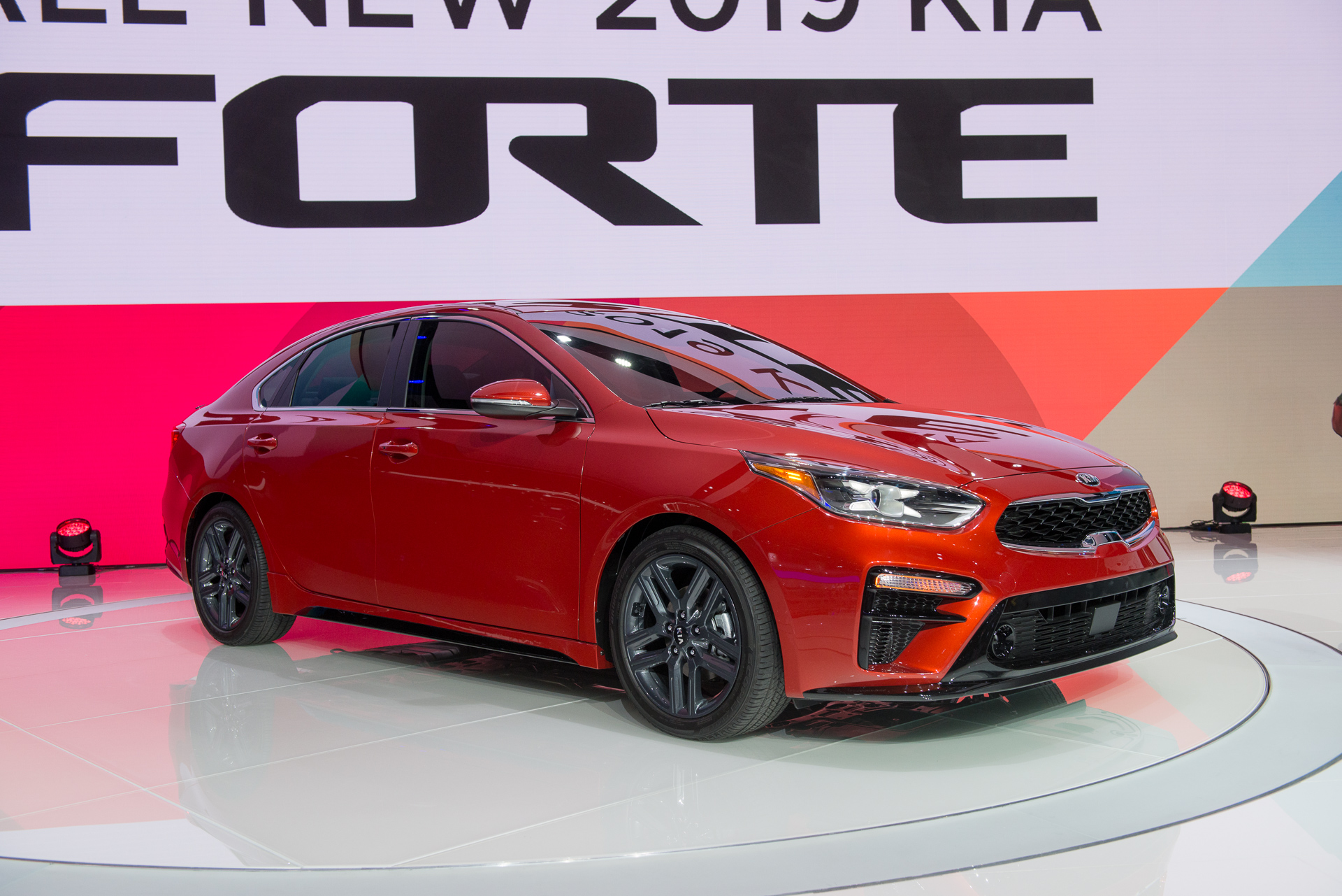 2019 Kia Forte Reveals Its Stinger Inspired Design At 2018