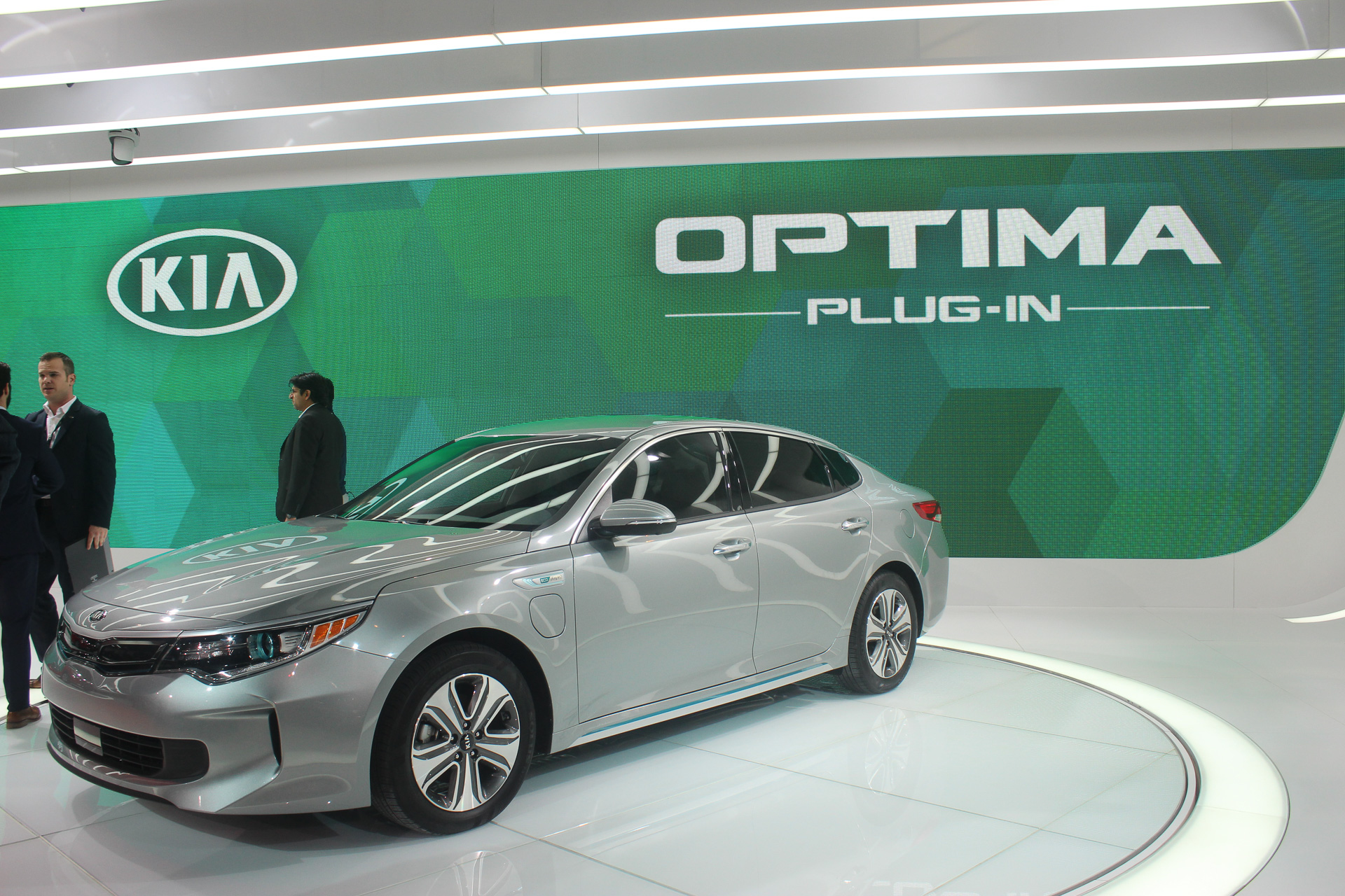 2017 Kia Optima Hybrids Details On 27 Mile Plug In Hybrid Live Photos And Video