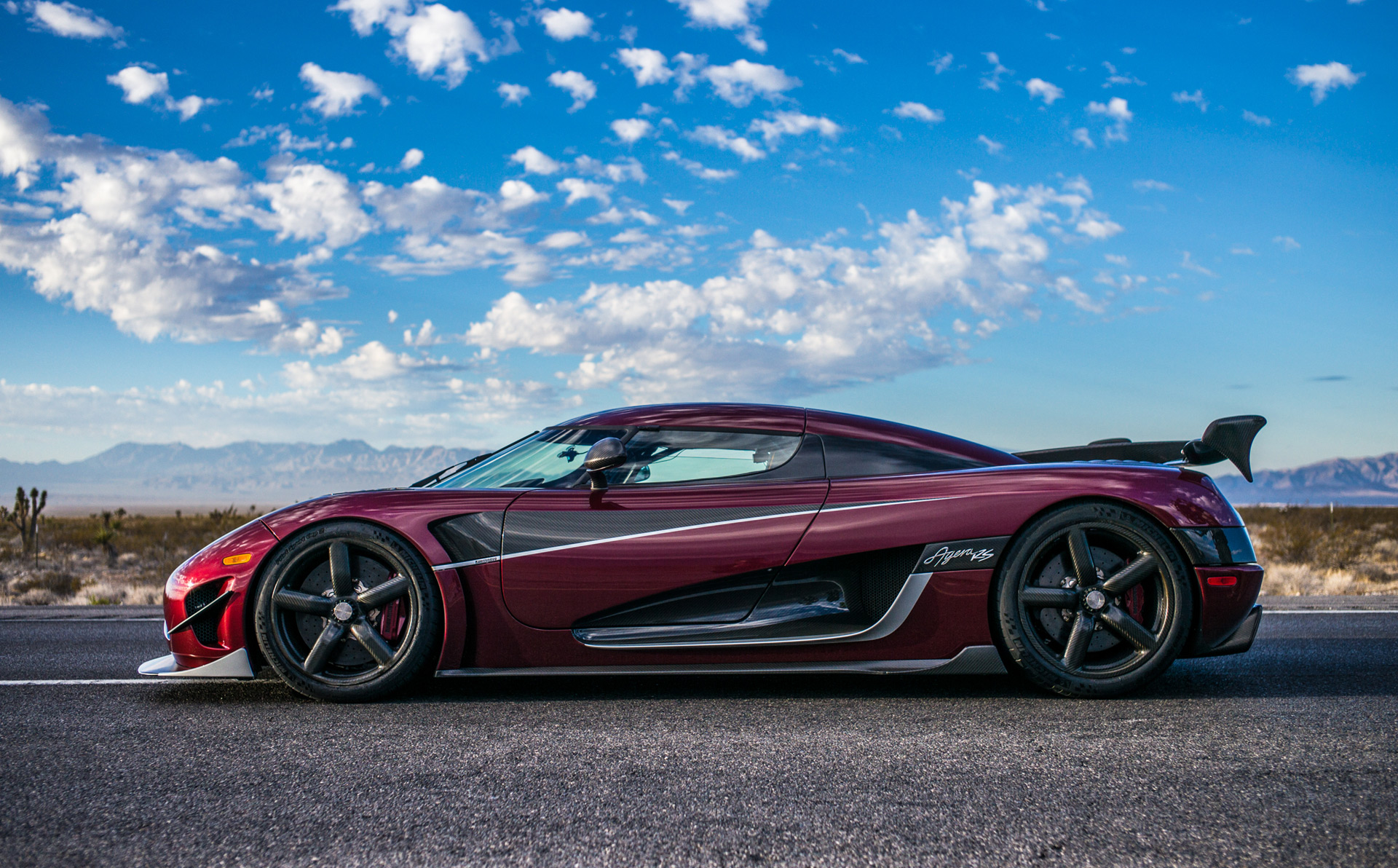 world's fastest car headed to detroit