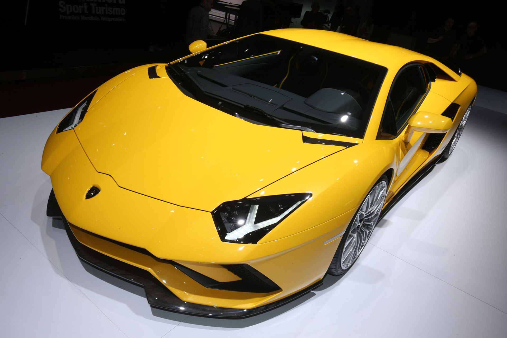 Lamborghini Open To Electric Supercar Says Ceo