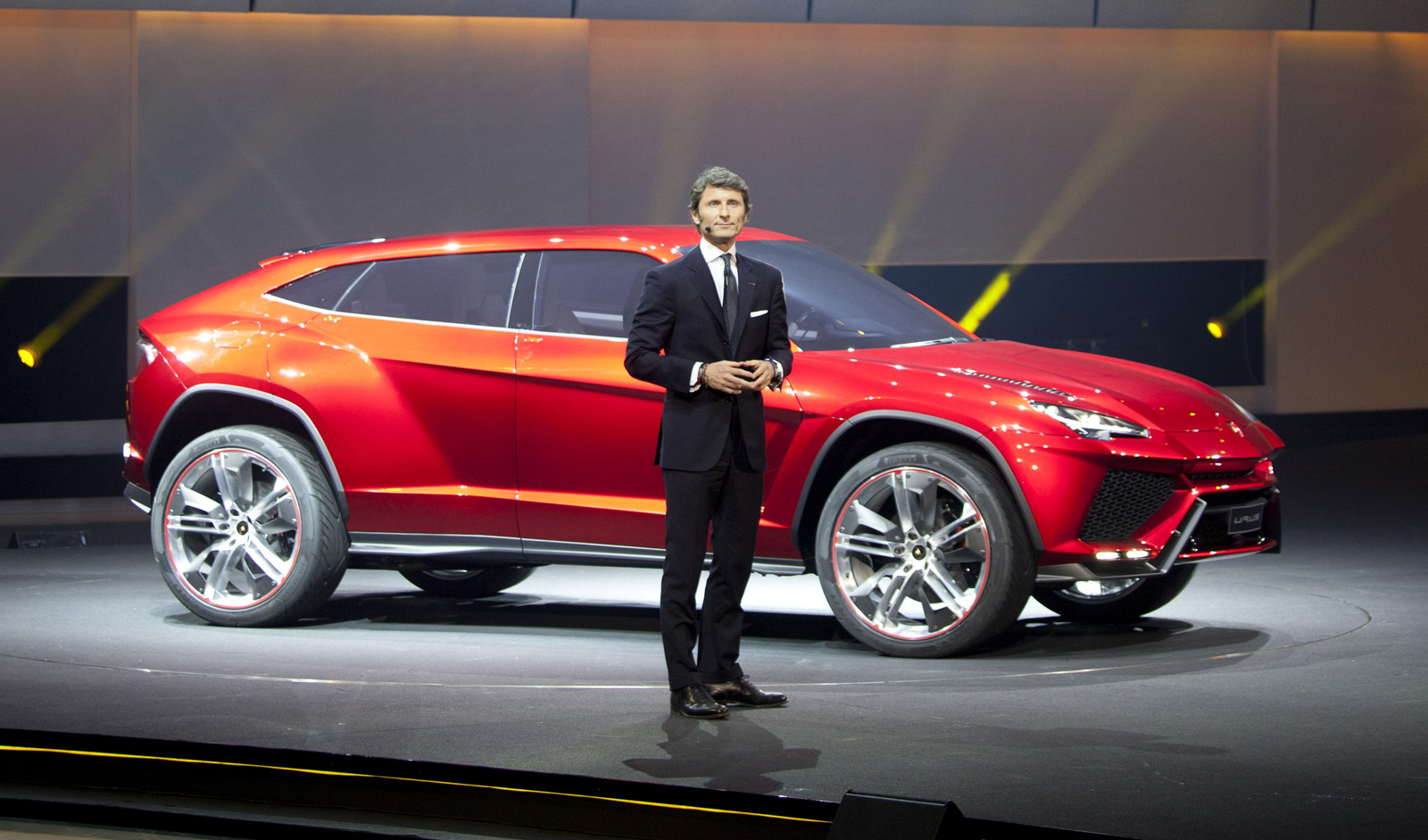 Lamborghini Suv Confirmed Sales To Start In 2018