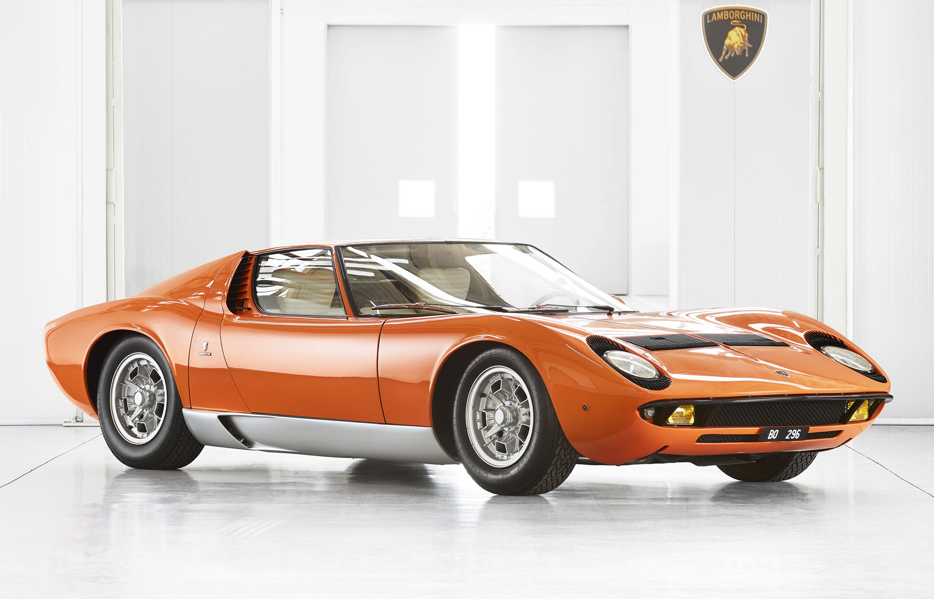 Lamborghini Restores The Miura Featured In The Italian Job