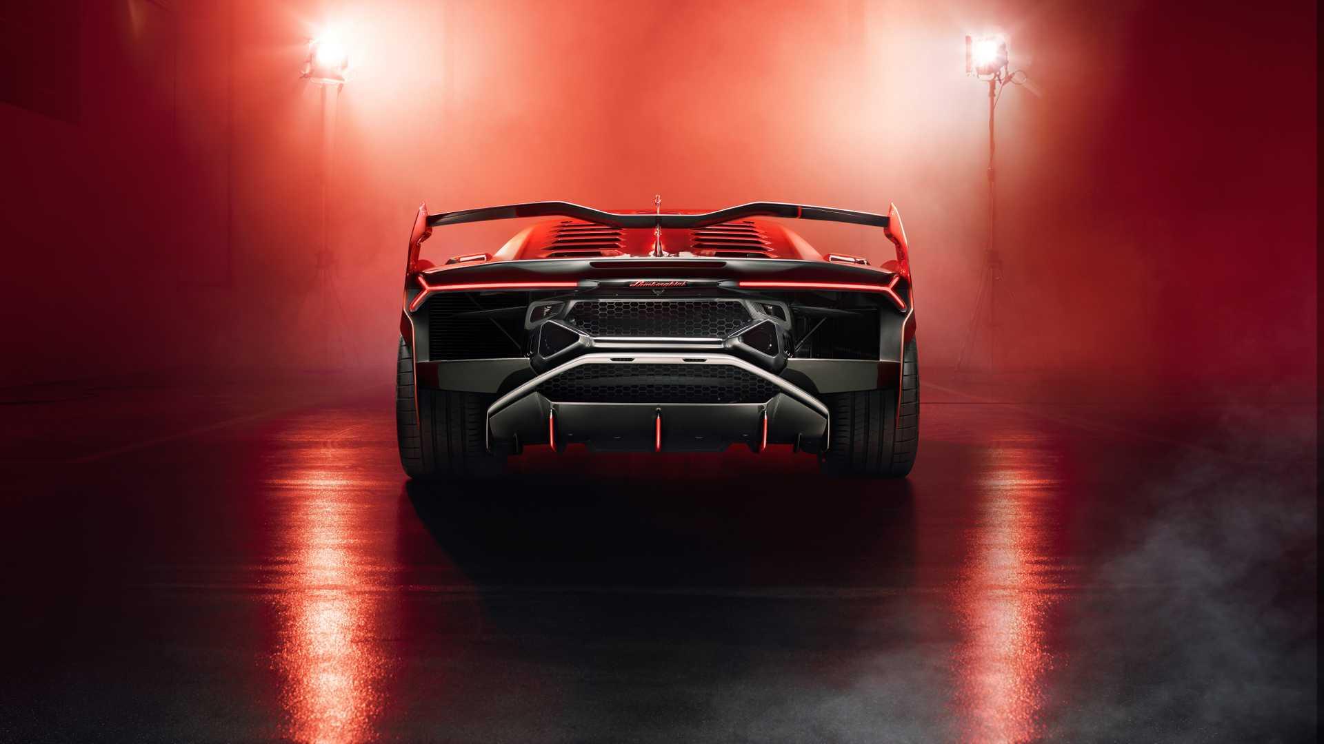 Carlos Ghosn Misconduct Lamborghini Sc18 Jeep Trackhawk Recall