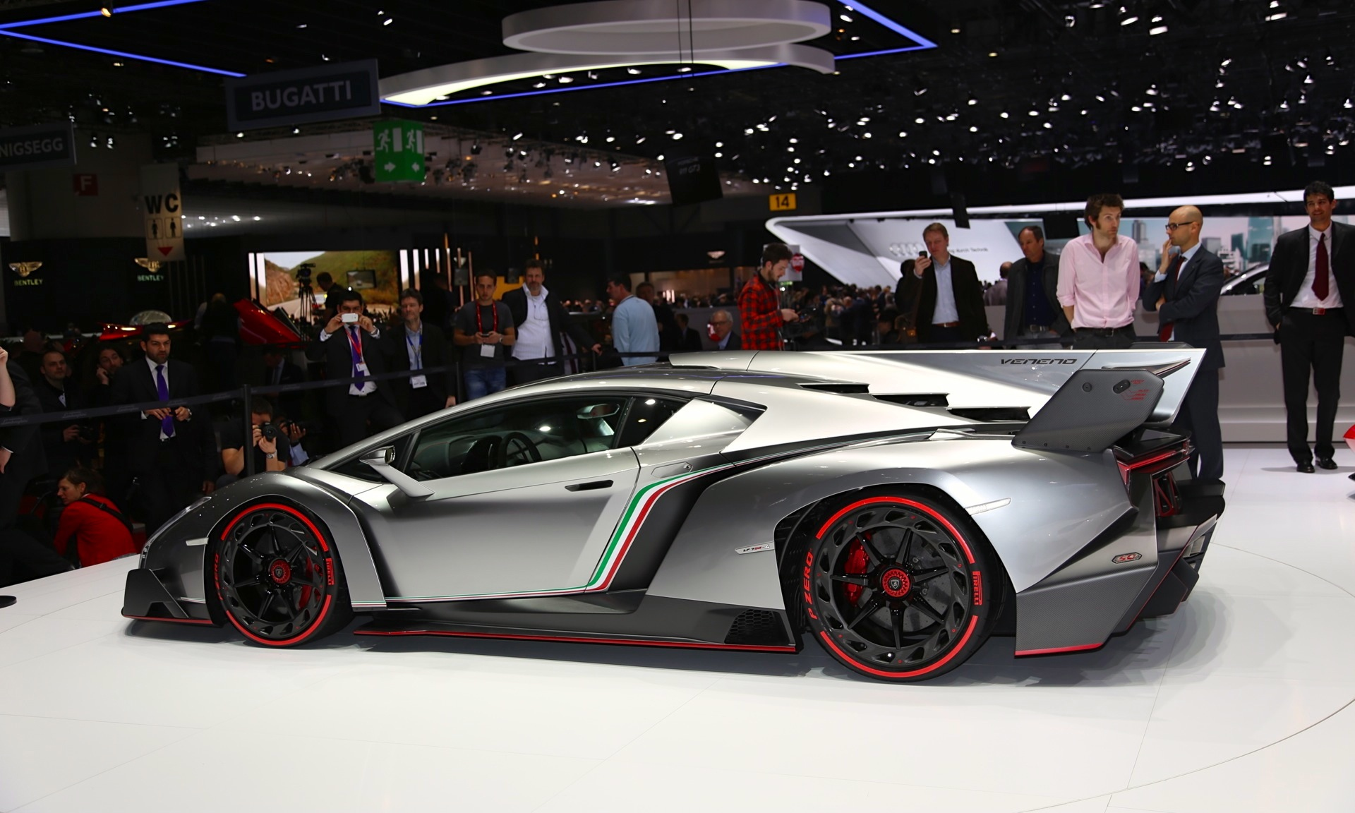 Another Veneno on sale, four-seat BMW X7, 2016 Porsche 919 ...