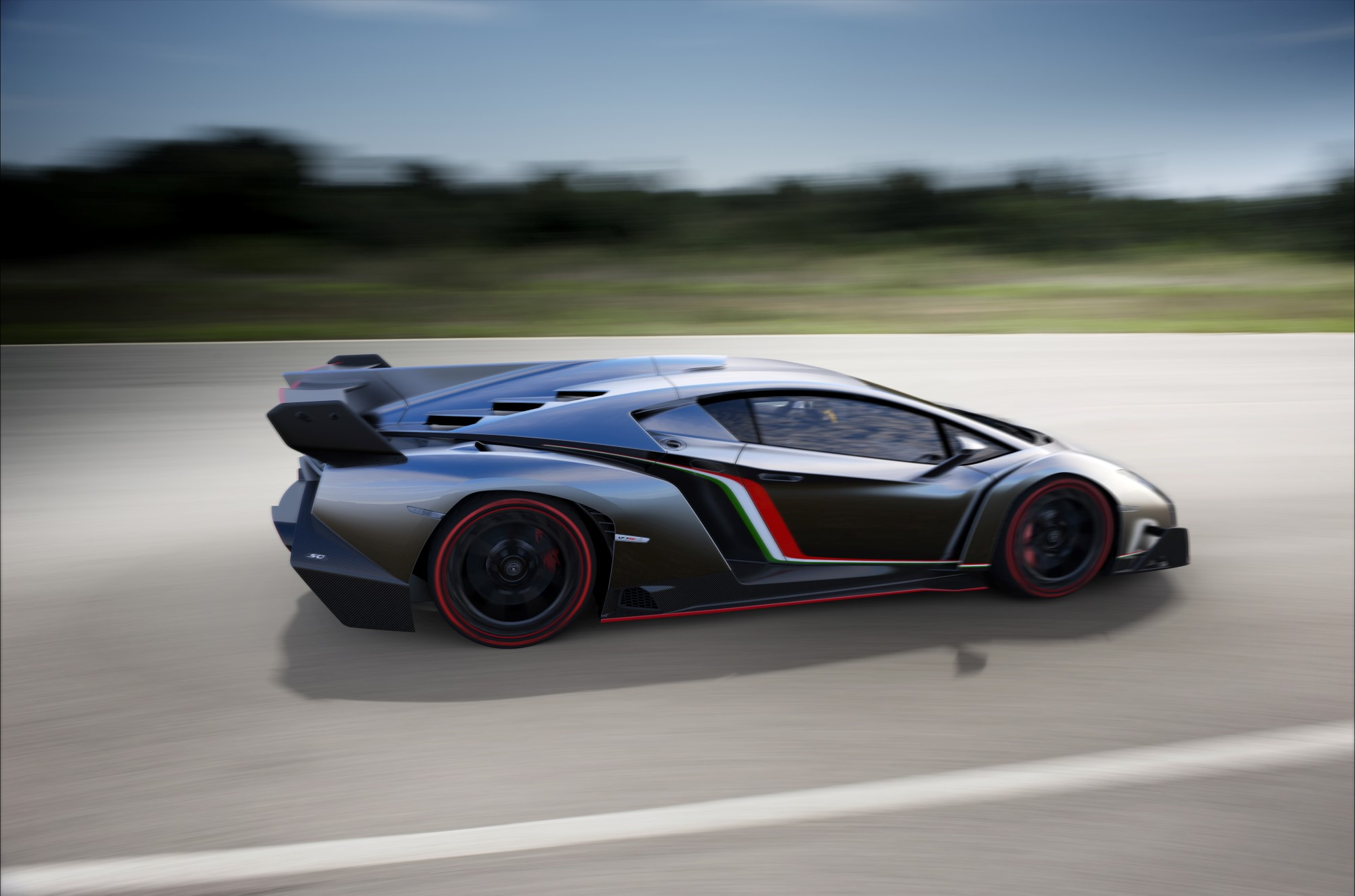 Lamborghini Ceo Confirms Veneno Roadster