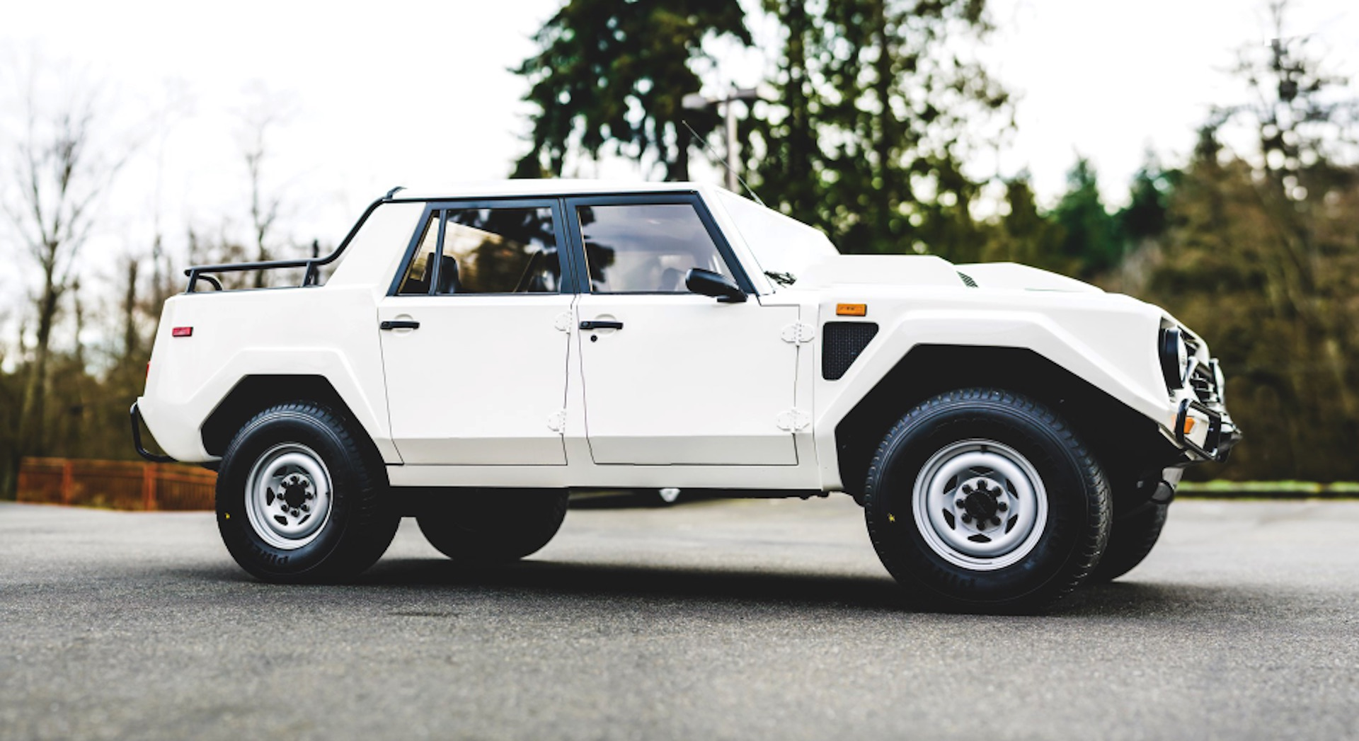 Buy Yourself A Rambo Lambo 1988 Lamborghini Lm002 Heading To Auction