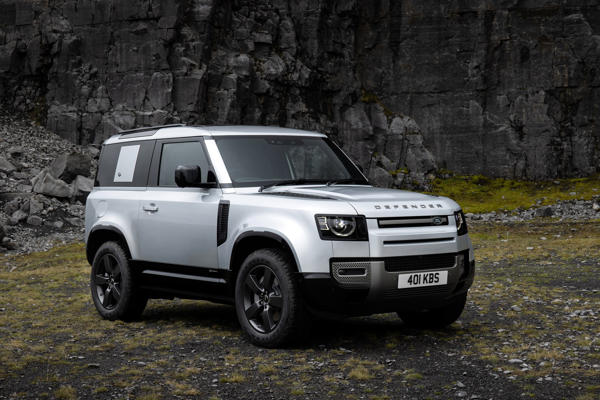 2021 Land Rover Defender Review, Ratings, Specs, Prices ...