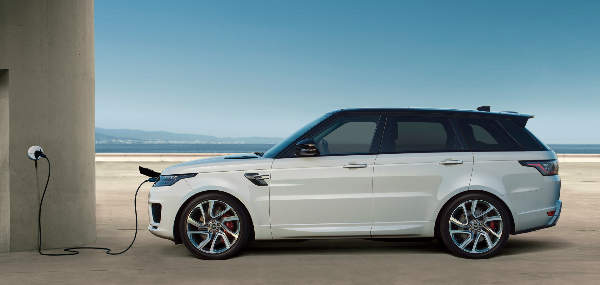 2019 land rover range rover sport p400e plug in hybrid first look. Black Bedroom Furniture Sets. Home Design Ideas