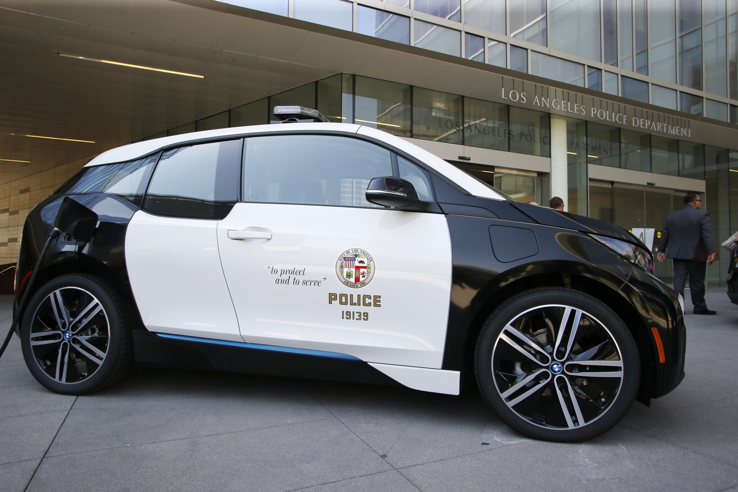 la police to buy 100 bmw i3 electric cars for department use. Black Bedroom Furniture Sets. Home Design Ideas