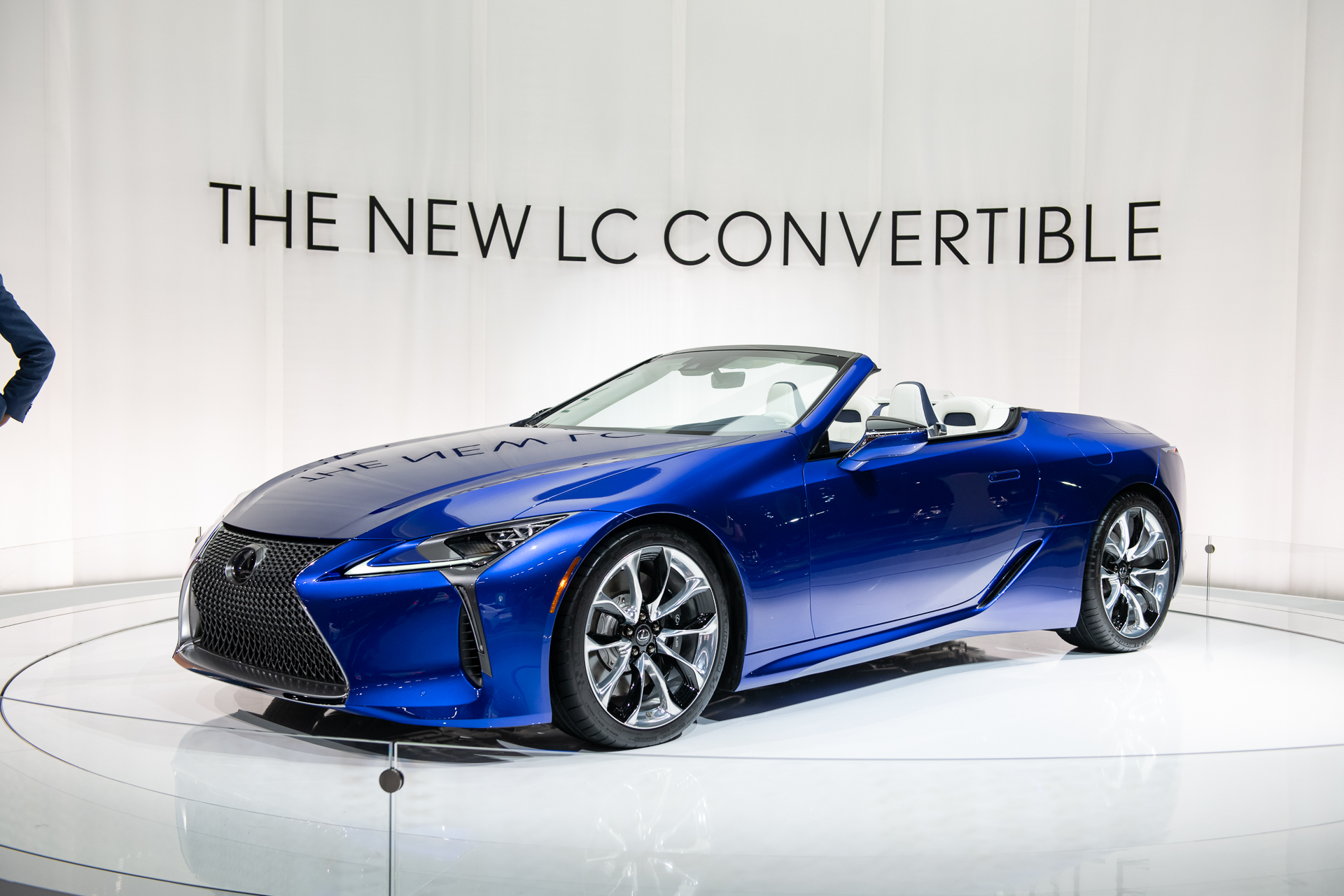 2021 lexus lc 500 convertible is a gorgeous v