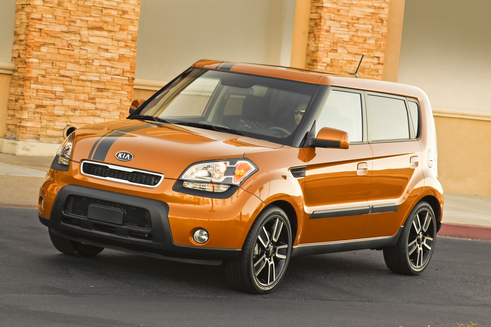 Limited-Edition 2010 Kia 'Ignition' Soul Rolls Into Showrooms on