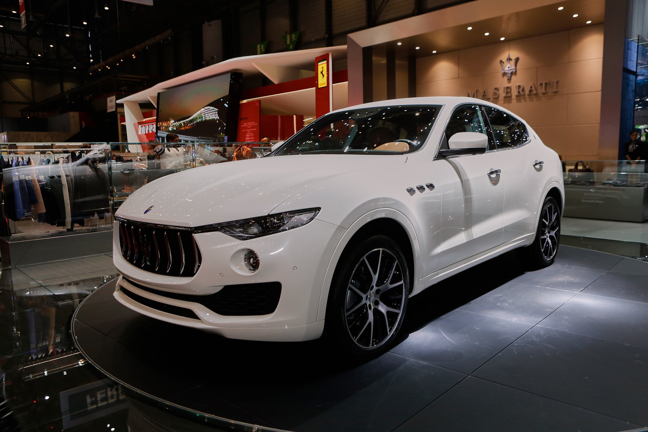2017 maserati levante preview. Black Bedroom Furniture Sets. Home Design Ideas