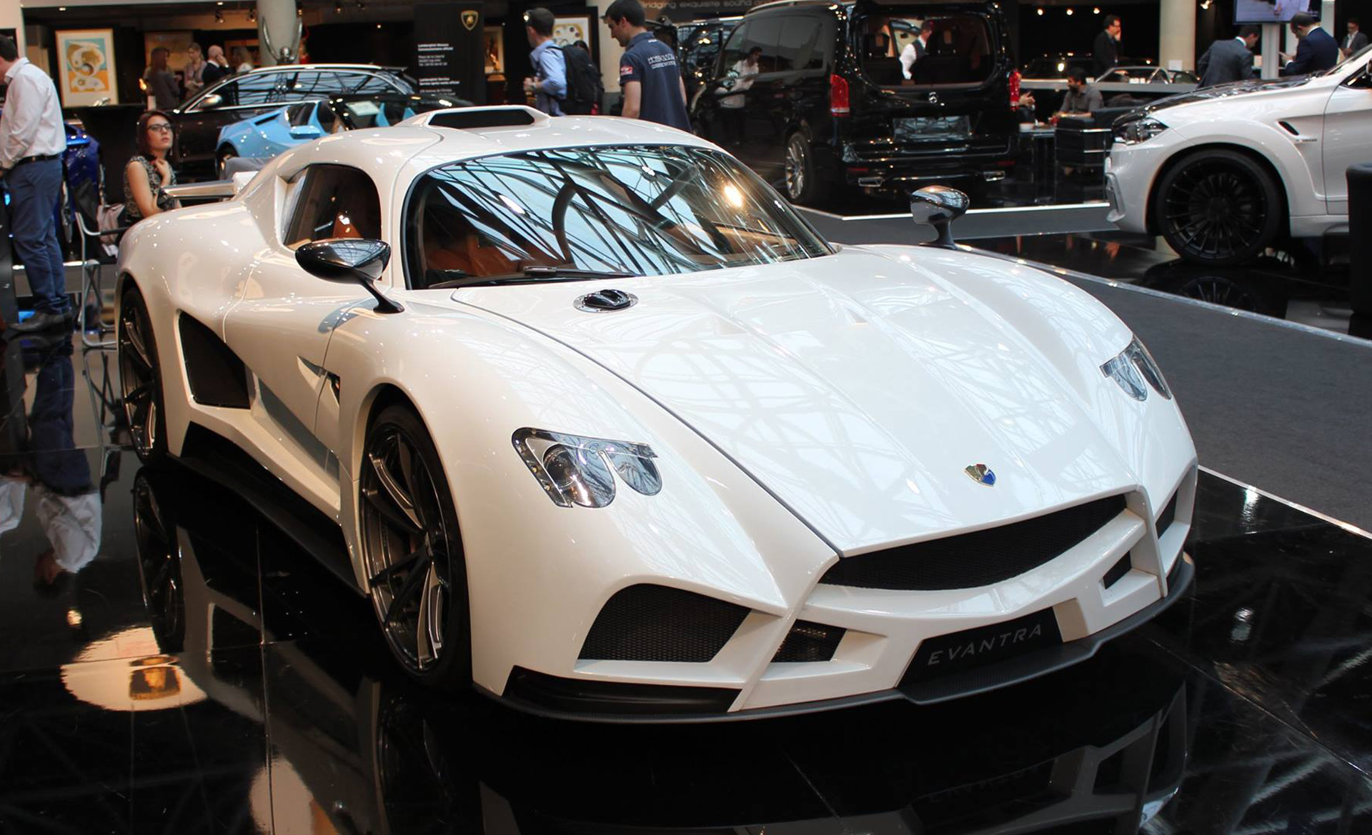 "Mazzanti shows off Evantra supercar with new ""Biplano"" wing"