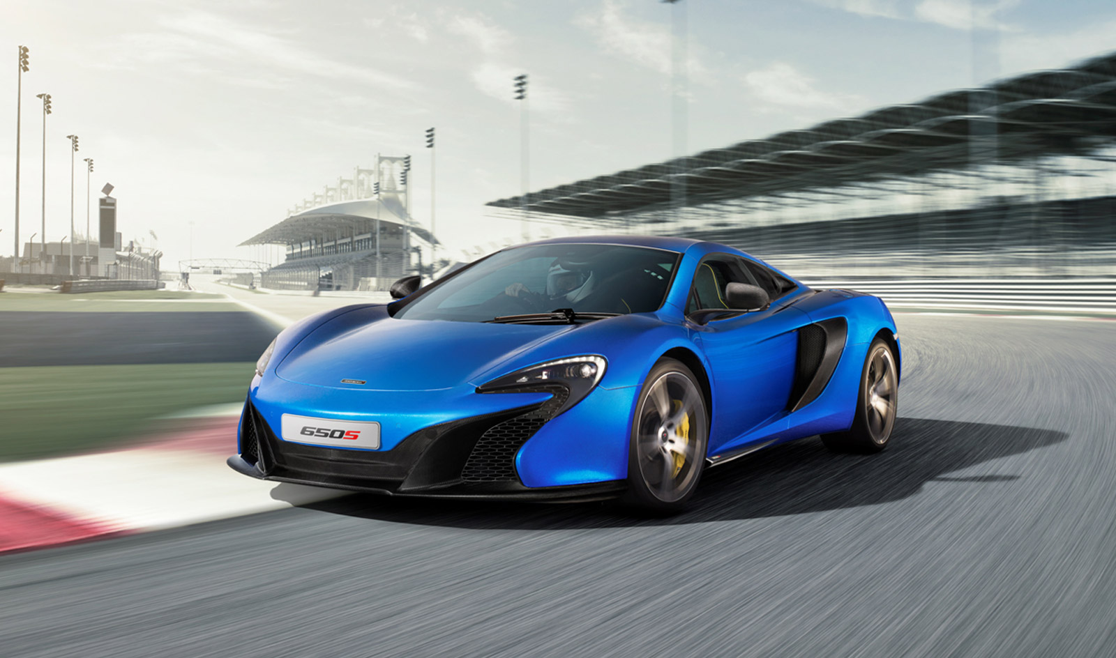A Closer Look At The McLaren 650S: Video
