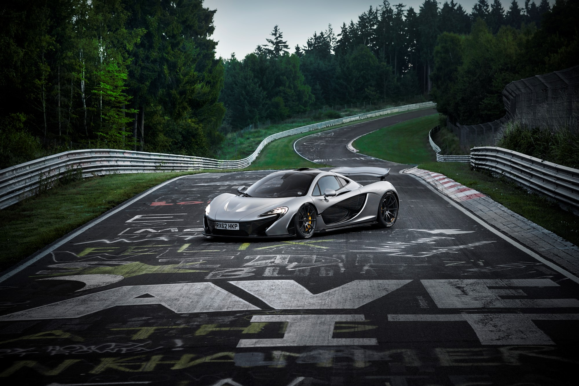 McLaren P1 takes on the Nürburgring-Nordschleife, goes sub-7.0 minutes