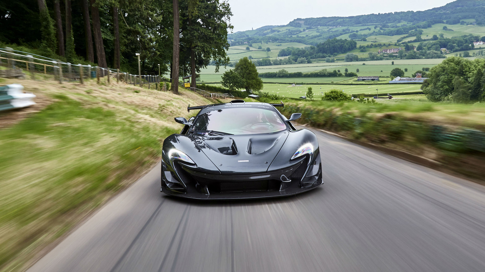 986-horsepower McLaren P1 LM takes on Pikes Peak