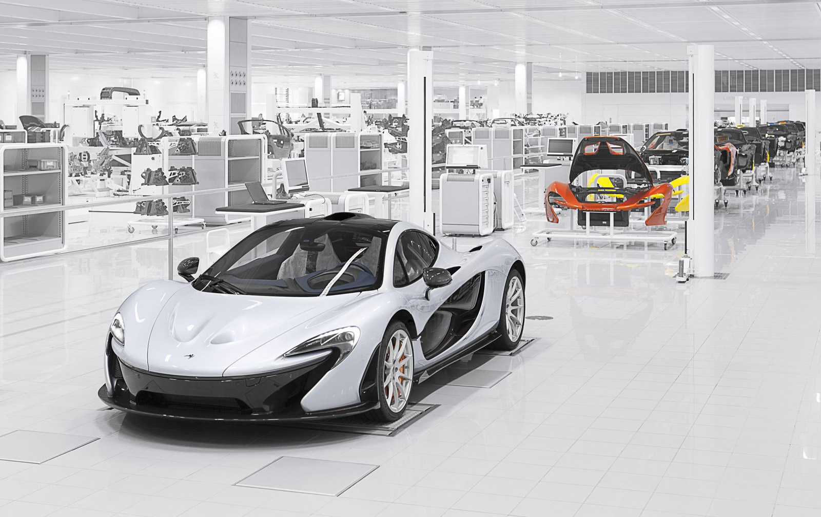 First details on McLaren's P15 Aventador and F12 rival