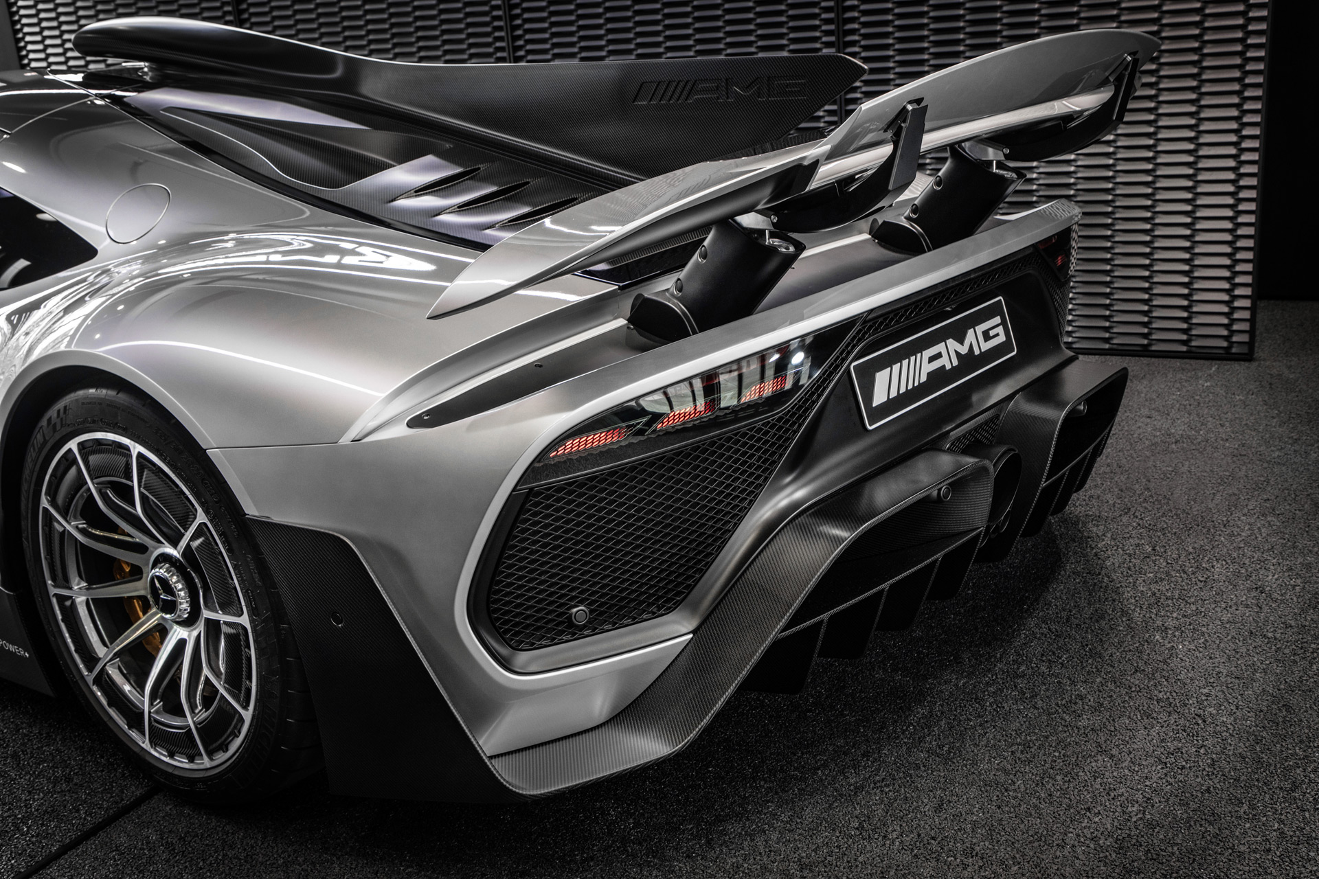 2020 Jaguar XE, 2020 Aston Martin Vantage AMR, Mercedes-AMG One: Car News Headlines
