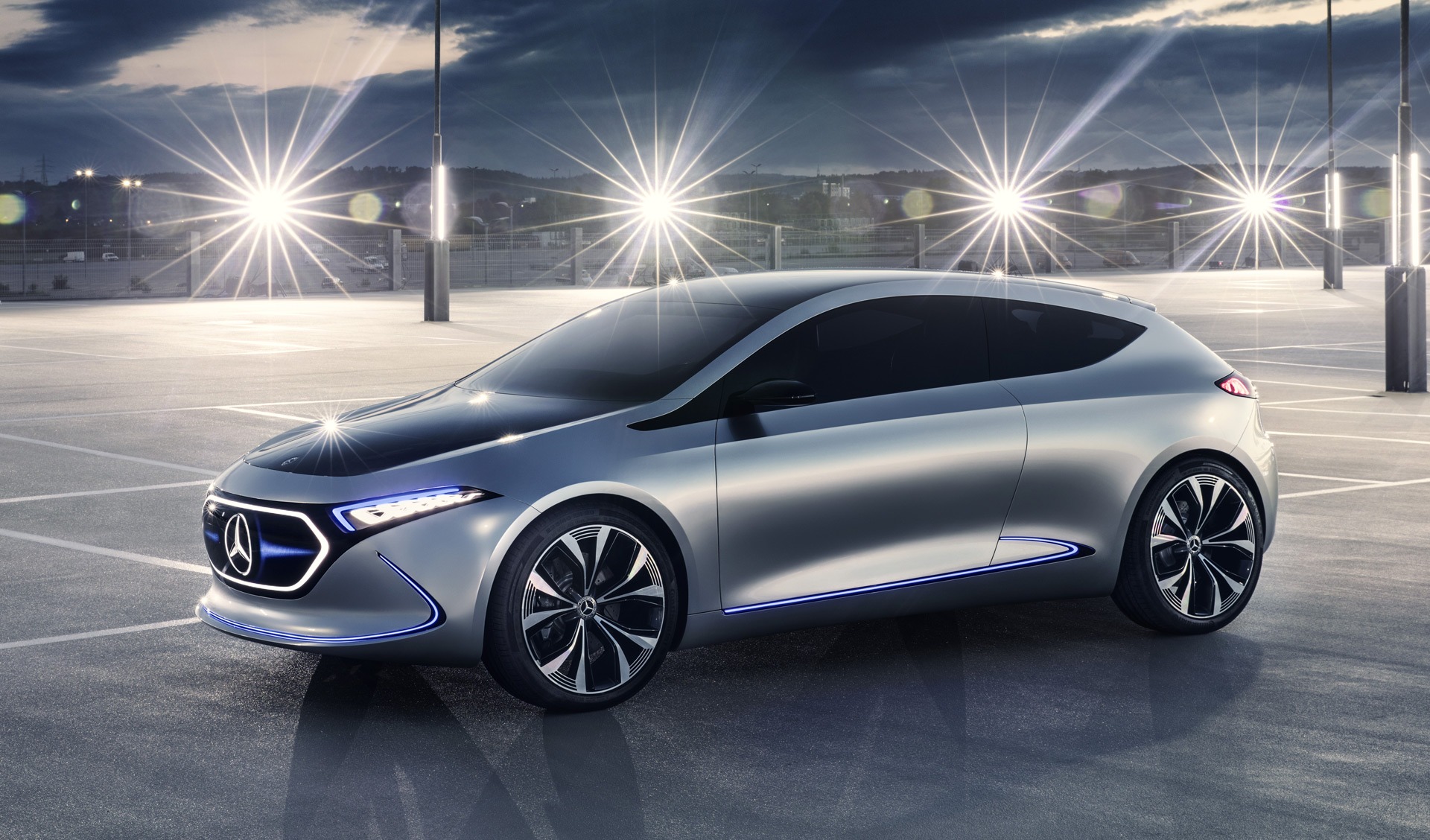 Compact ev will be first mercedes sourced from france for Mercedes benz france