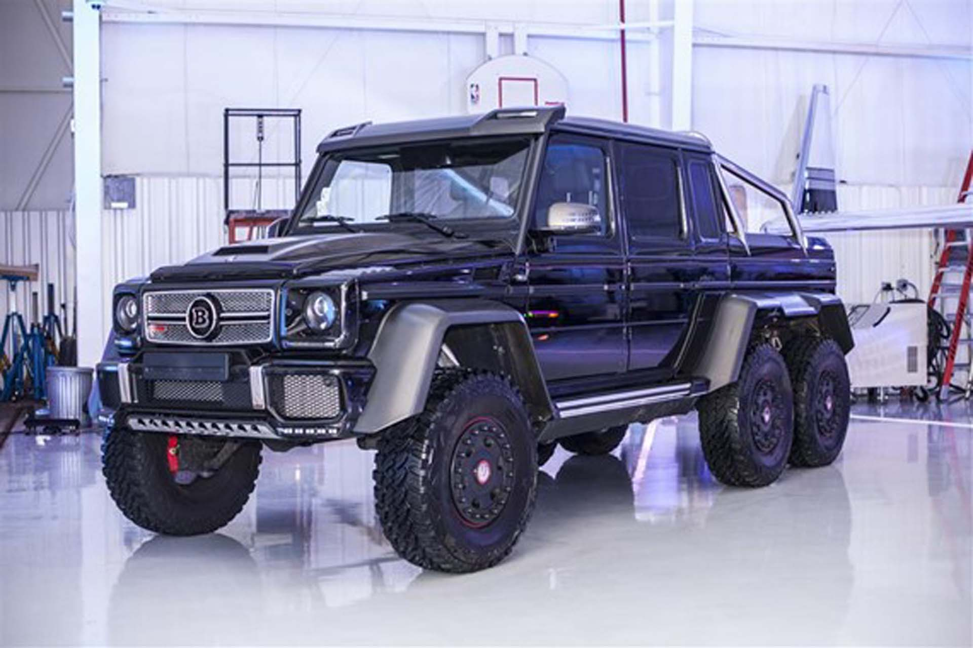 this mercedes benz brabus g63 6x6 could be yours in the u s for. Black Bedroom Furniture Sets. Home Design Ideas