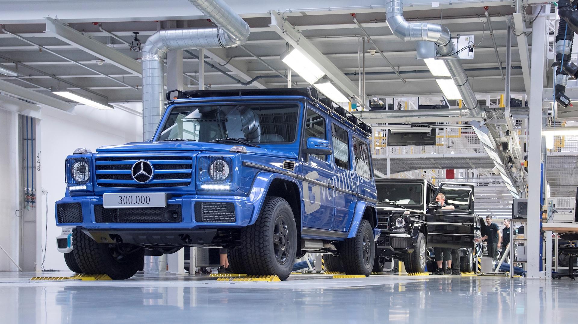 300 000th mercedes benz g class rolls off the assembly line for Mercedes benz long beach service