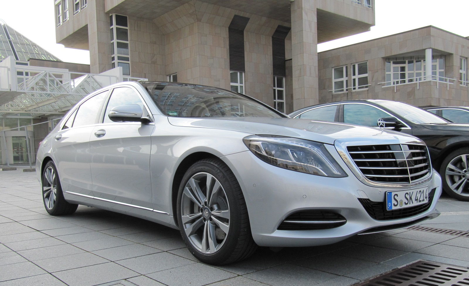 2016 Mercedes-Benz S550e Plug-In Hybrid first drive review