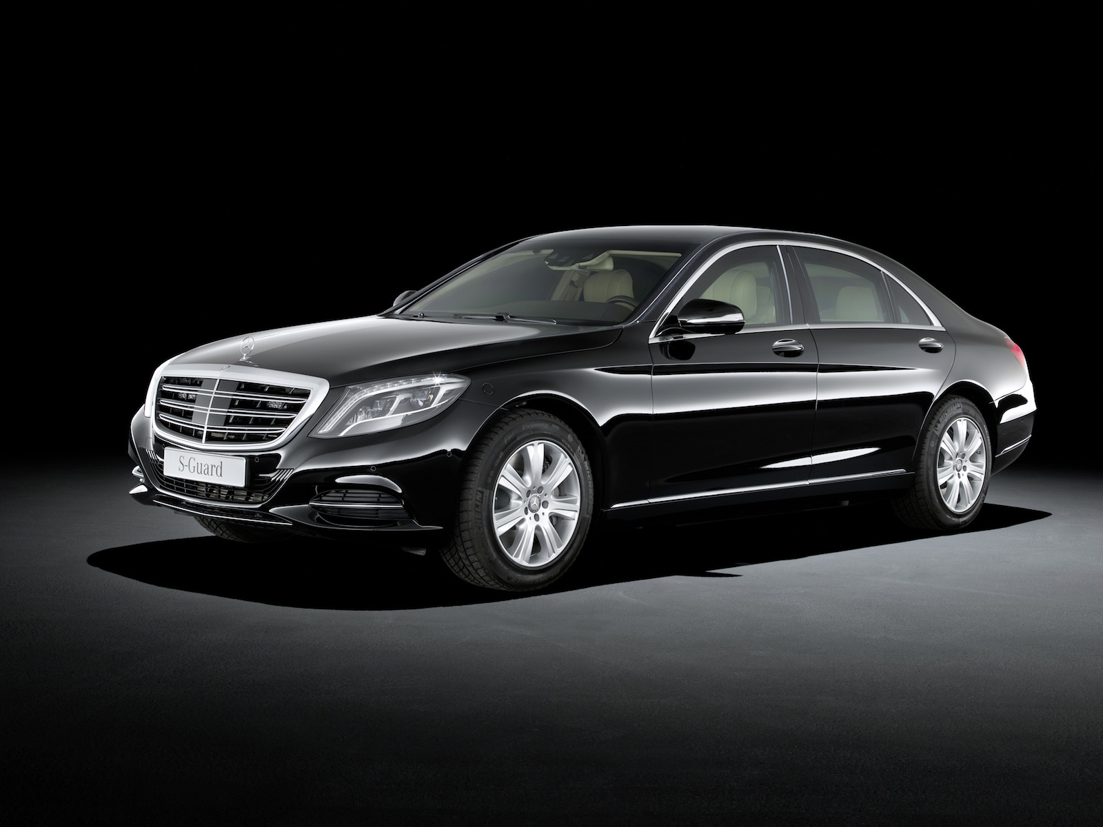 Mercedes-Benz S600 Guard Upgrades To New S-Class Platform, Greater Armor Capability