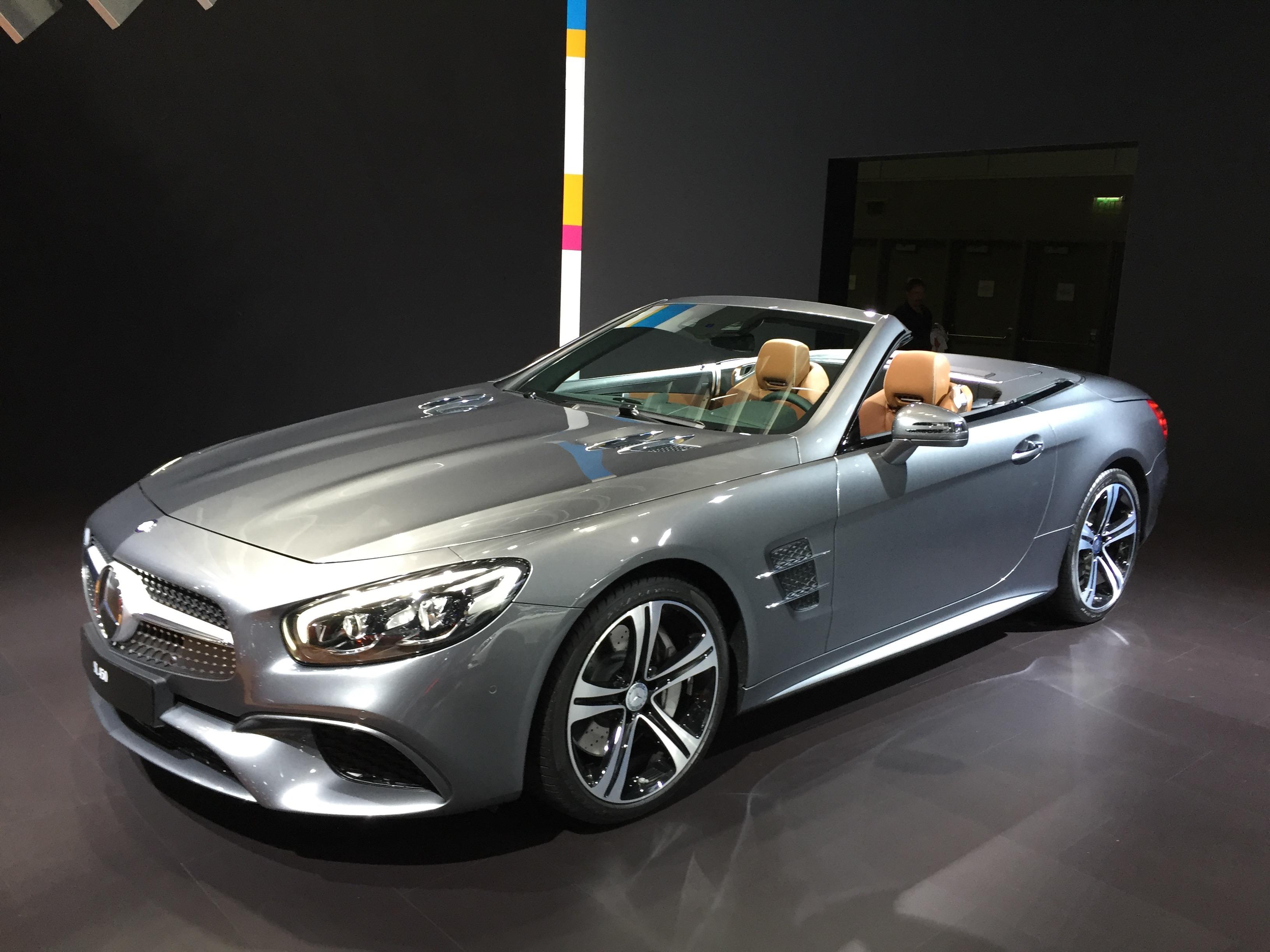 2017 Mercedes-Benz SL Gets Svelte New Look, Nine-Speed Gearbox: Video