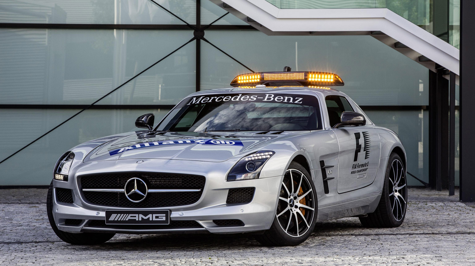 F1 safety car gets upgraded to mercedes benz sls amg gt for Mercedes benz f1