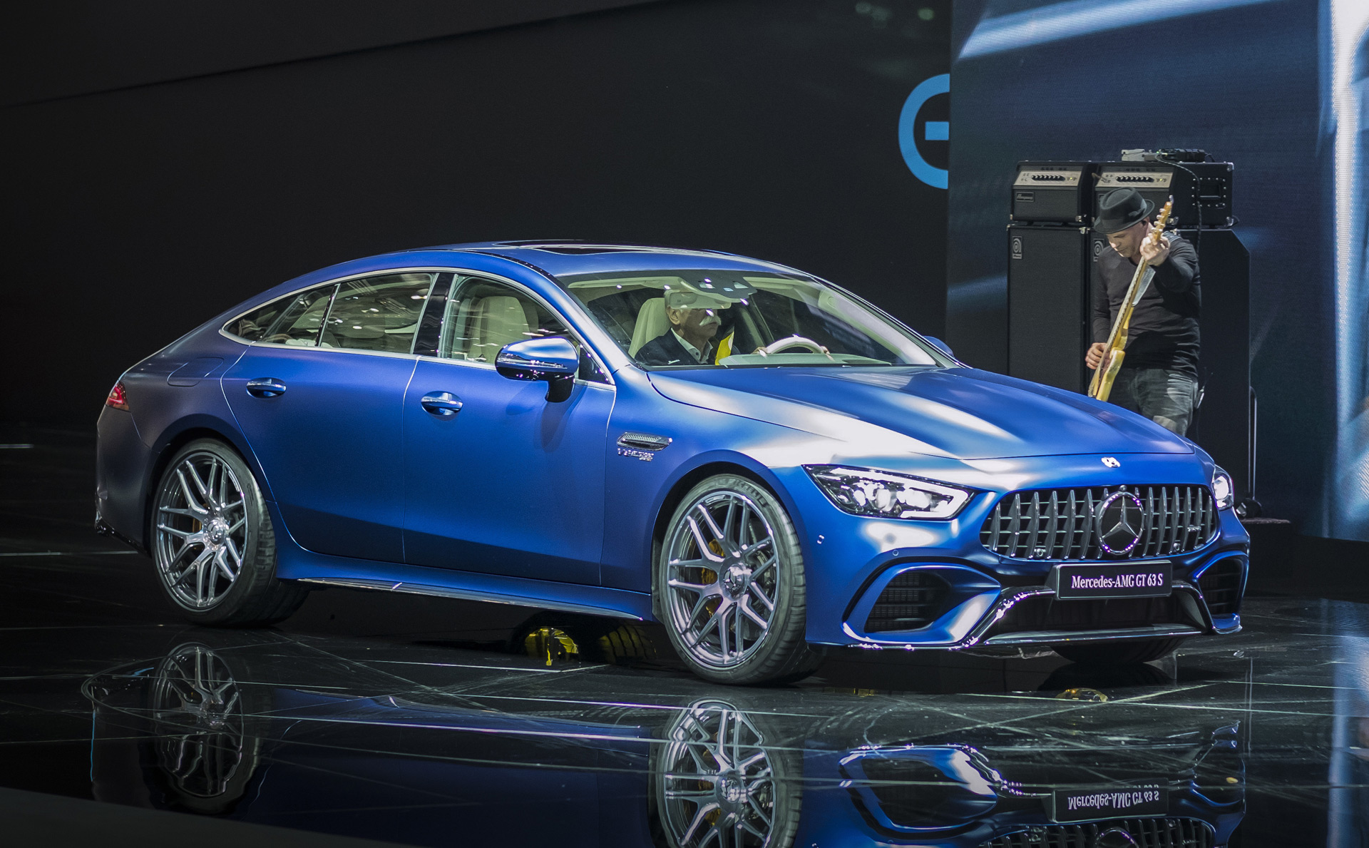 2019 mercedes amg gt 4 door coupe ready to challenge the porsche panamera. Black Bedroom Furniture Sets. Home Design Ideas