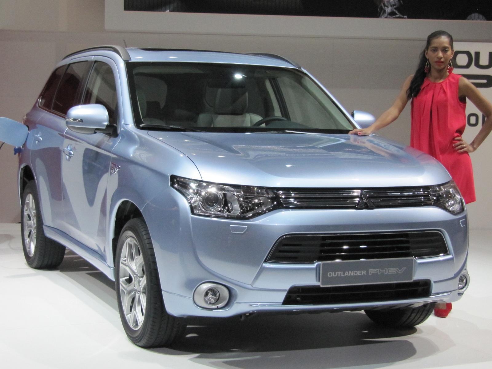 2013 Mitsubishi Outlander Plug-in Hybrid Gallery: 2012 ...