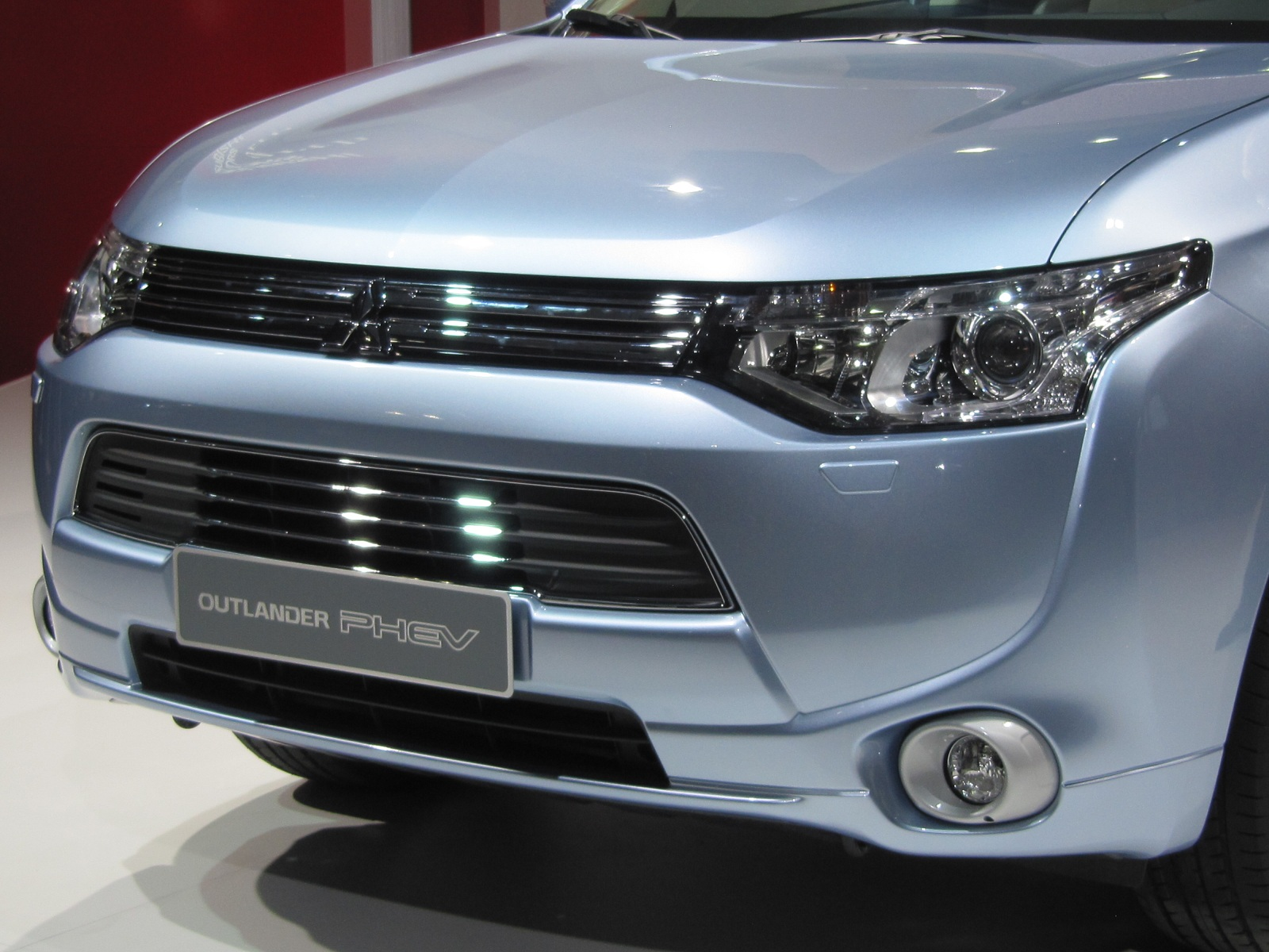 Mitsubishi Outlander Plug In Hybrid U S Sales In Fall
