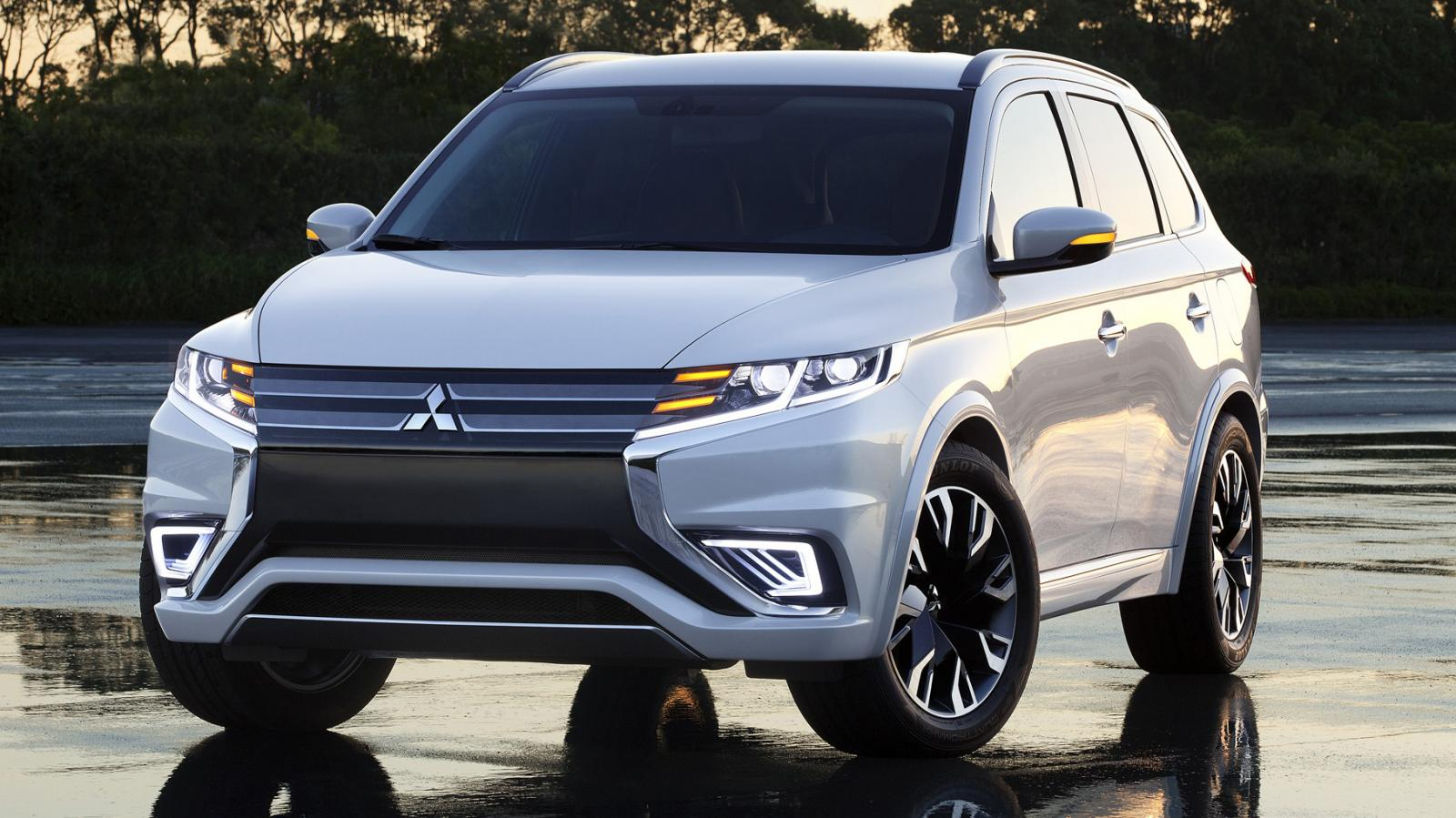 2016 mitsubishi outlander plug in hybrid revealed at. Black Bedroom Furniture Sets. Home Design Ideas