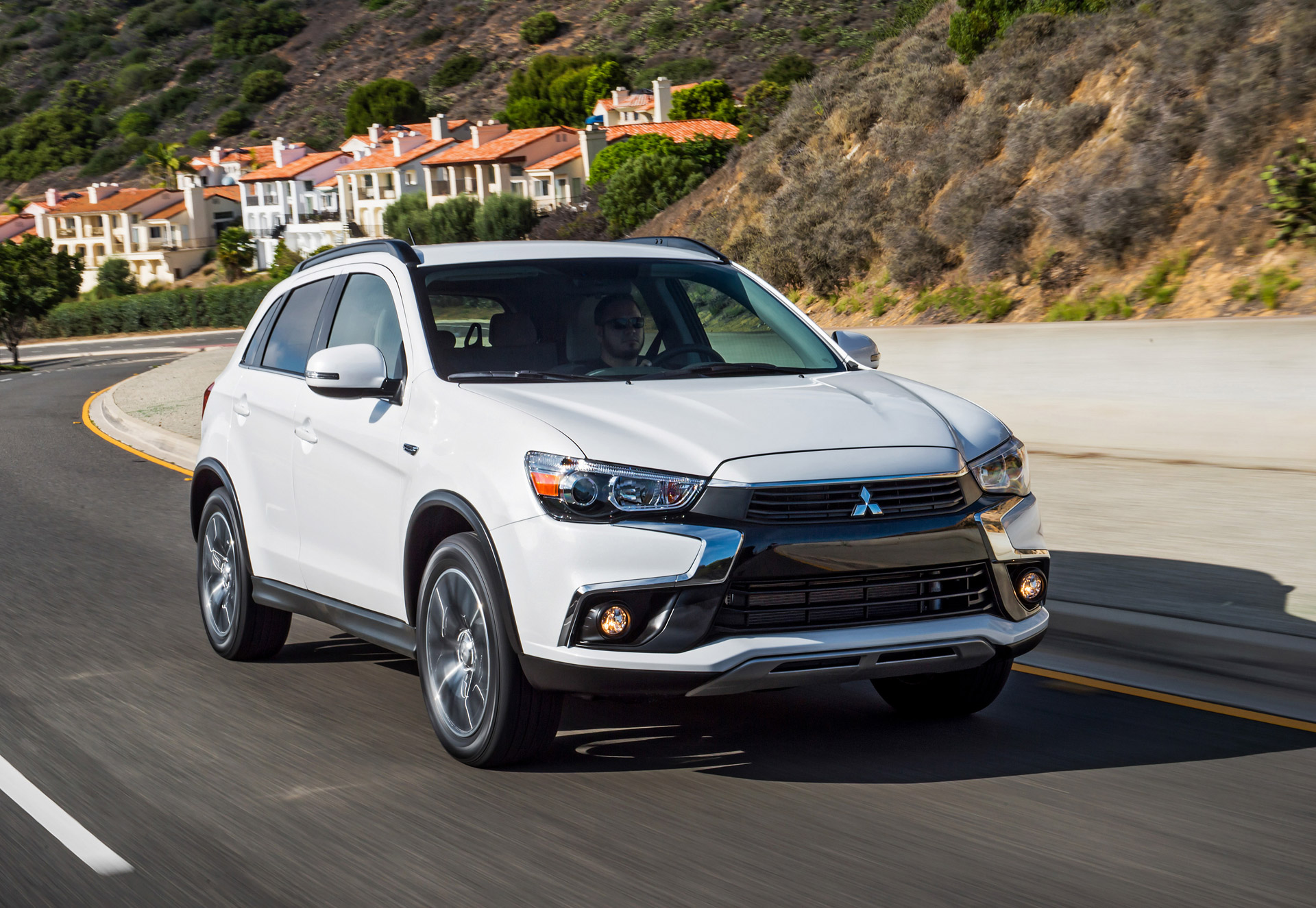 2016 mitsubishi outlander outlander sport recalled to fix door latch glitch