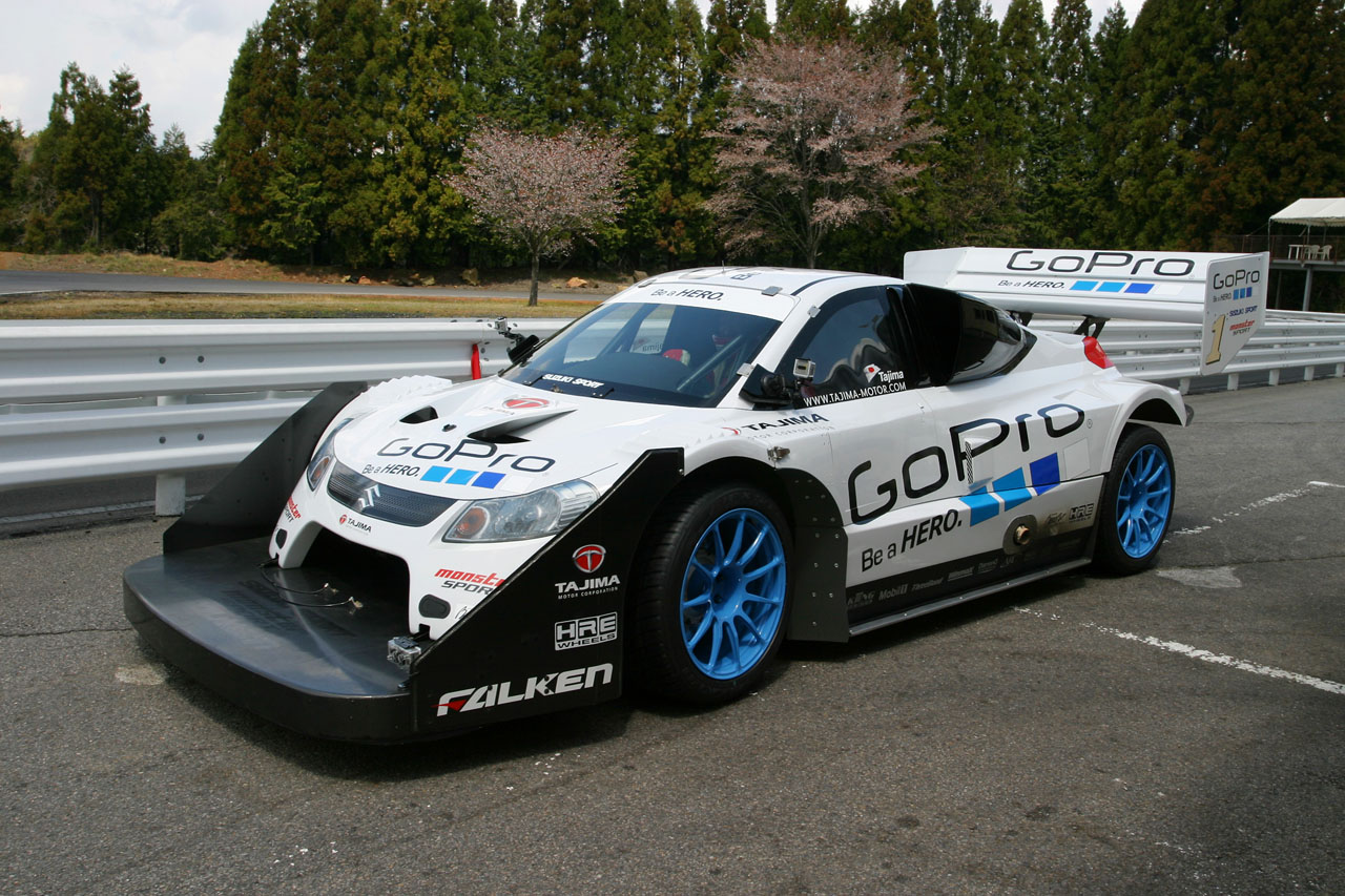 Monster Tajima Breaks 10 Minute Pikes Peak Record Video