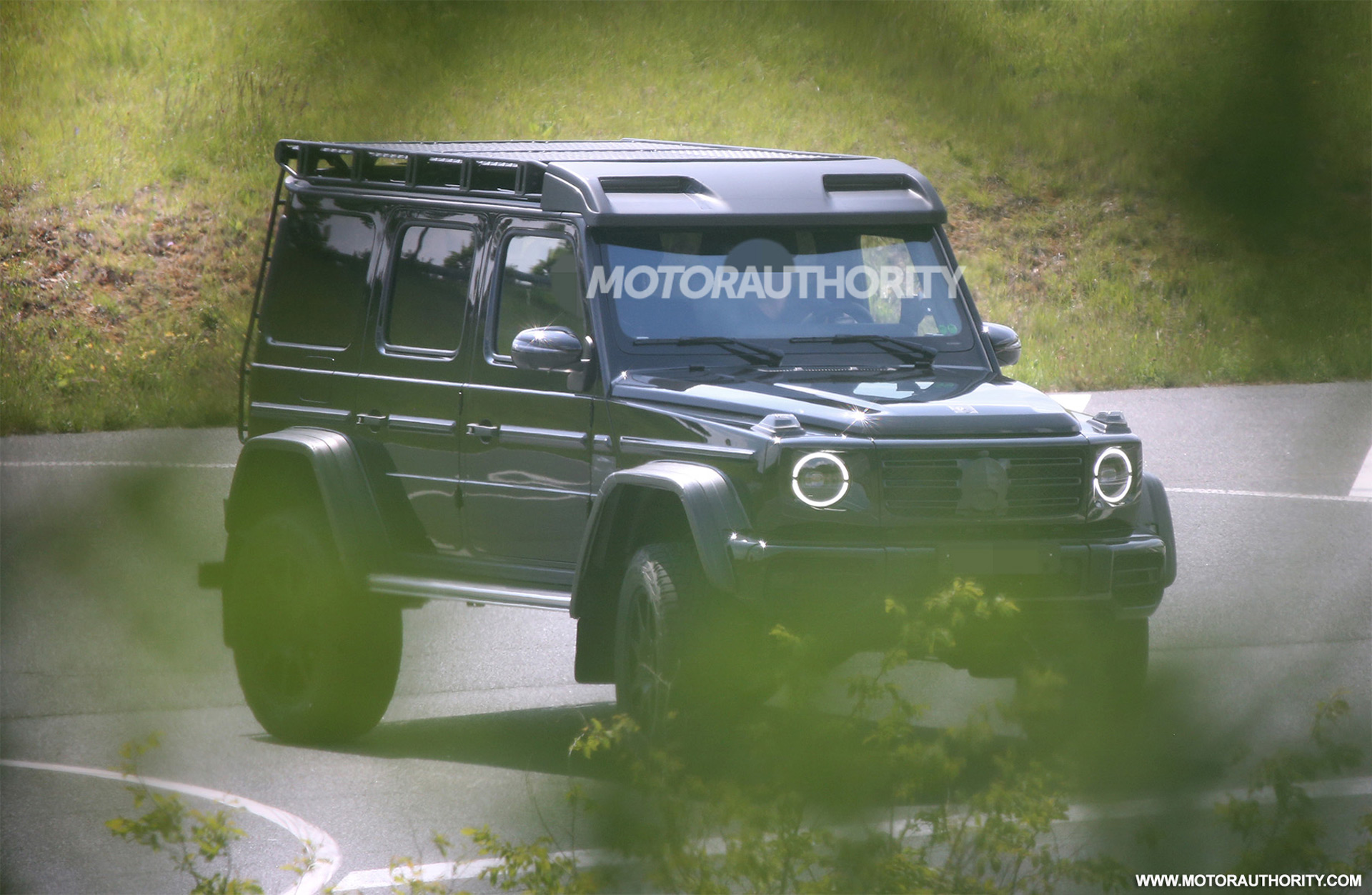 New Mercedes-Benz G550 4x4 Squared spy shots