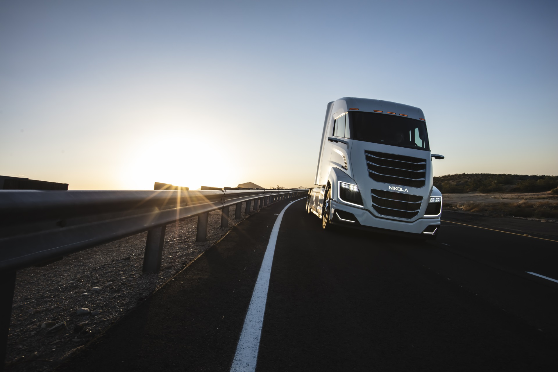 Nikola Releases Semi Trucks Two And Tre Maps Out Hydrogen
