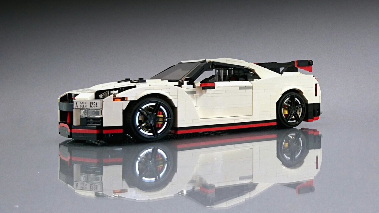 fan crafts his own lego nissan gt r nismo. Black Bedroom Furniture Sets. Home Design Ideas