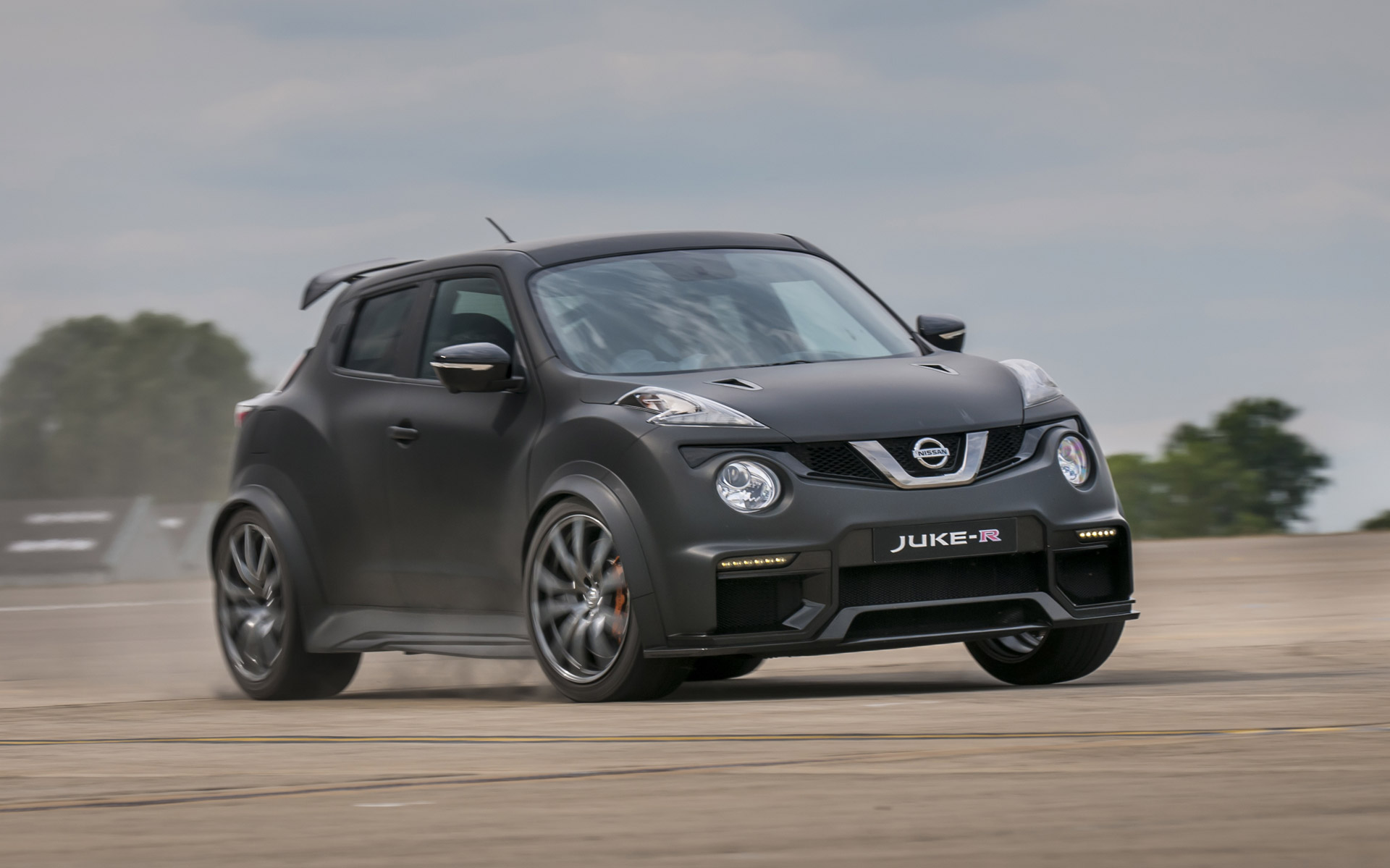 Nissan Reveals New More Powerful Version Of Gt R Powered Juke R Crossover