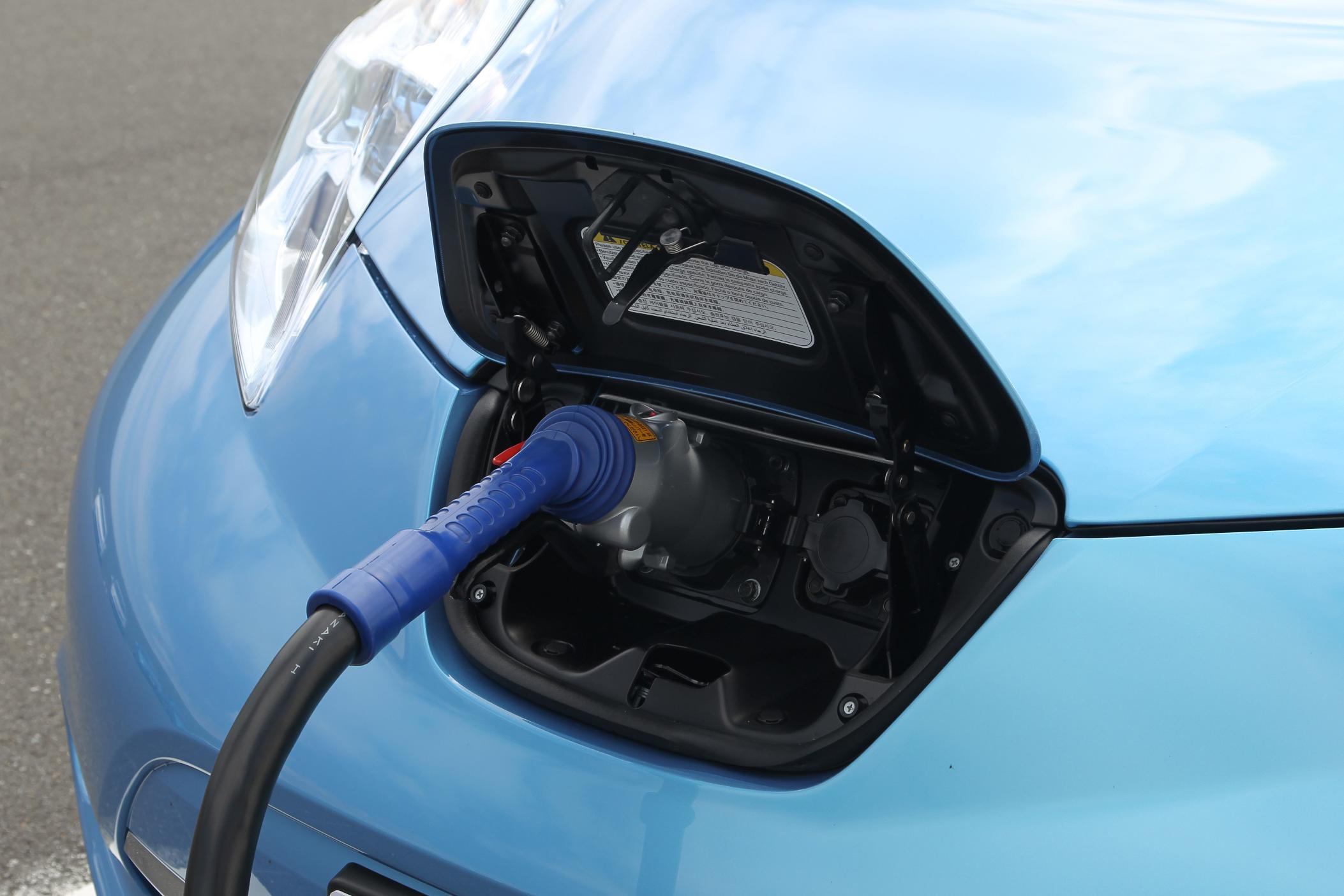 Electric-Car Fast-Charging Networks: Nissan CHAdeMO Vs ...