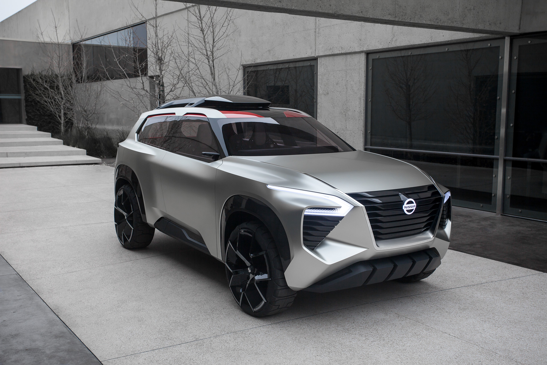 Nissan Xmotion concept adds dose of style to family ...