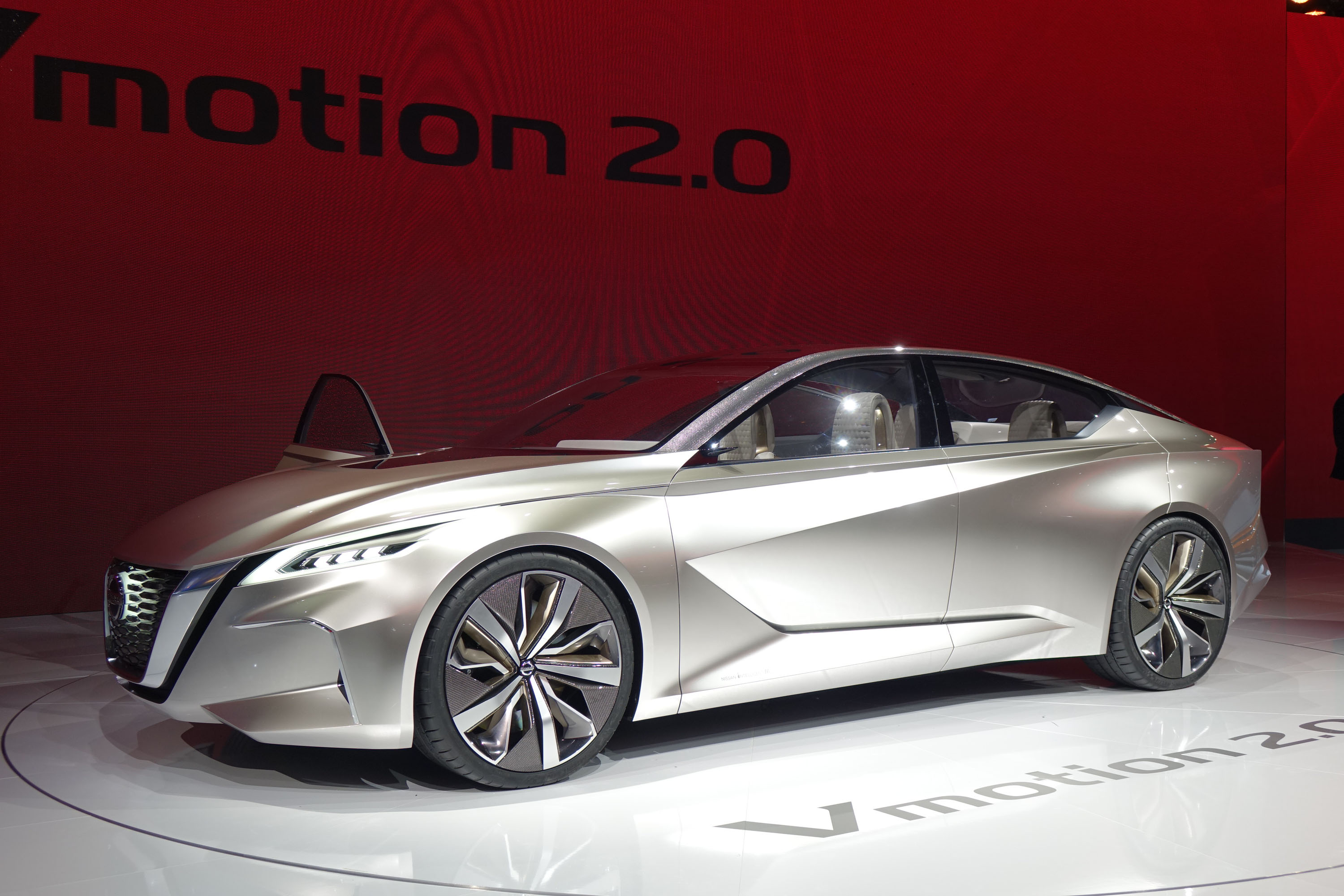 Nissan Vmotion 2.0 concept paves way for next-gen Altima