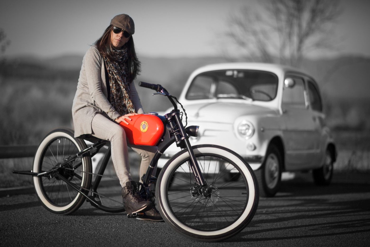 https://images.hgmsites.net/hug/otocycles-retro-electric-bicycle_100451058_h.jpg