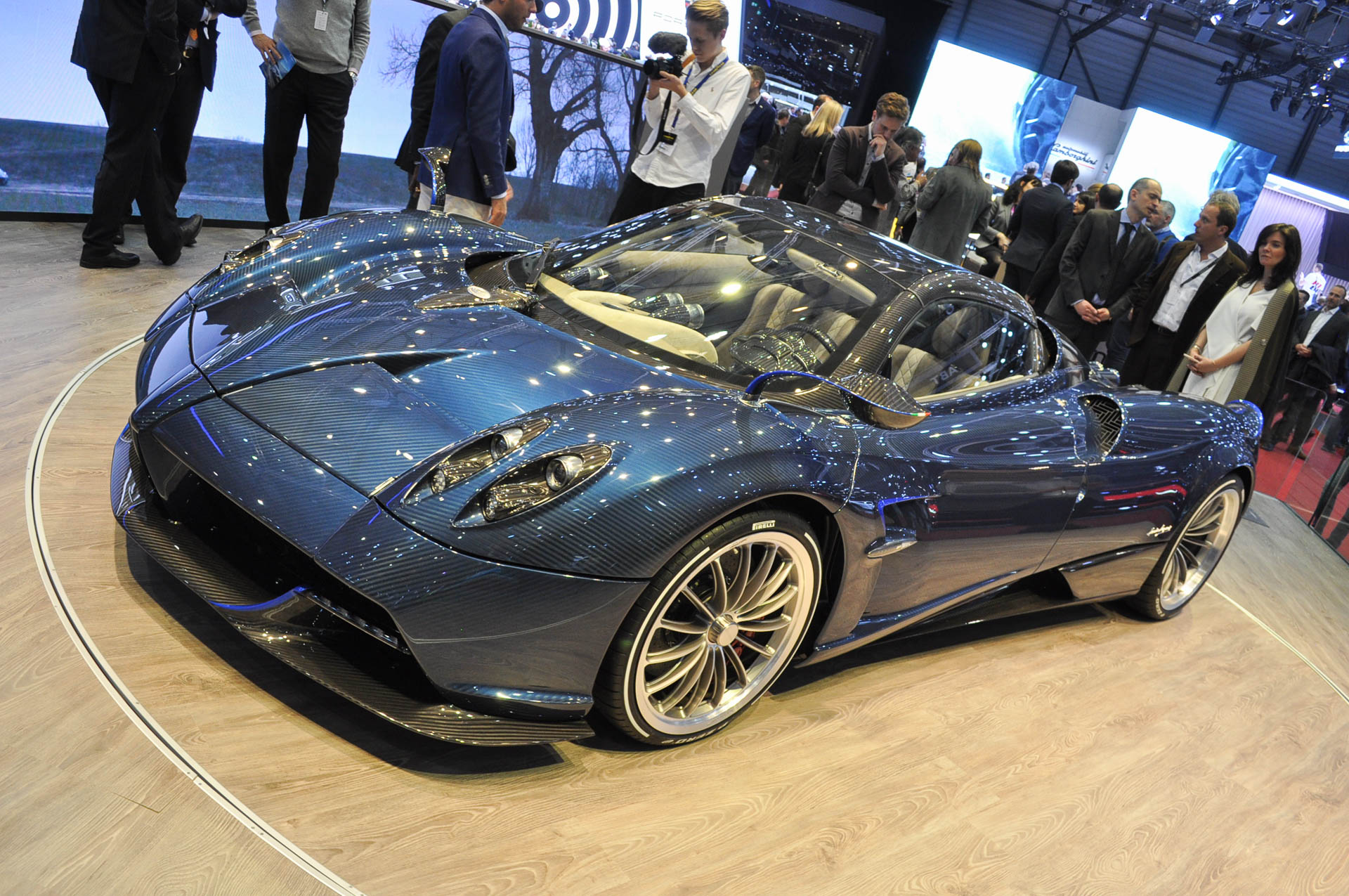 you can lease a pagani huayra roadster for 25 000 per month. Black Bedroom Furniture Sets. Home Design Ideas